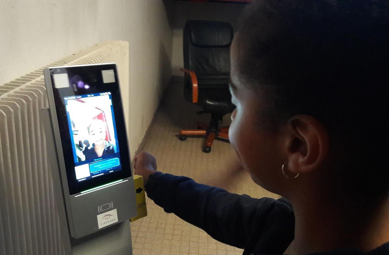 Chambourcy : avant la classe, les enfants passent au détecteur de température