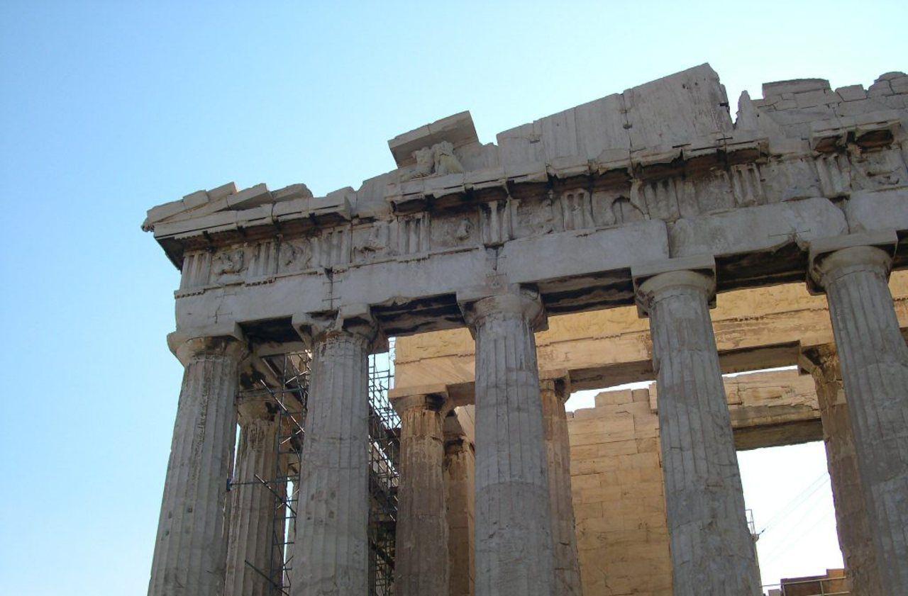 «C'est un massacre» : à Athènes, les aménagements de l'Acropole s'attirent les foudres des archéologues grecs