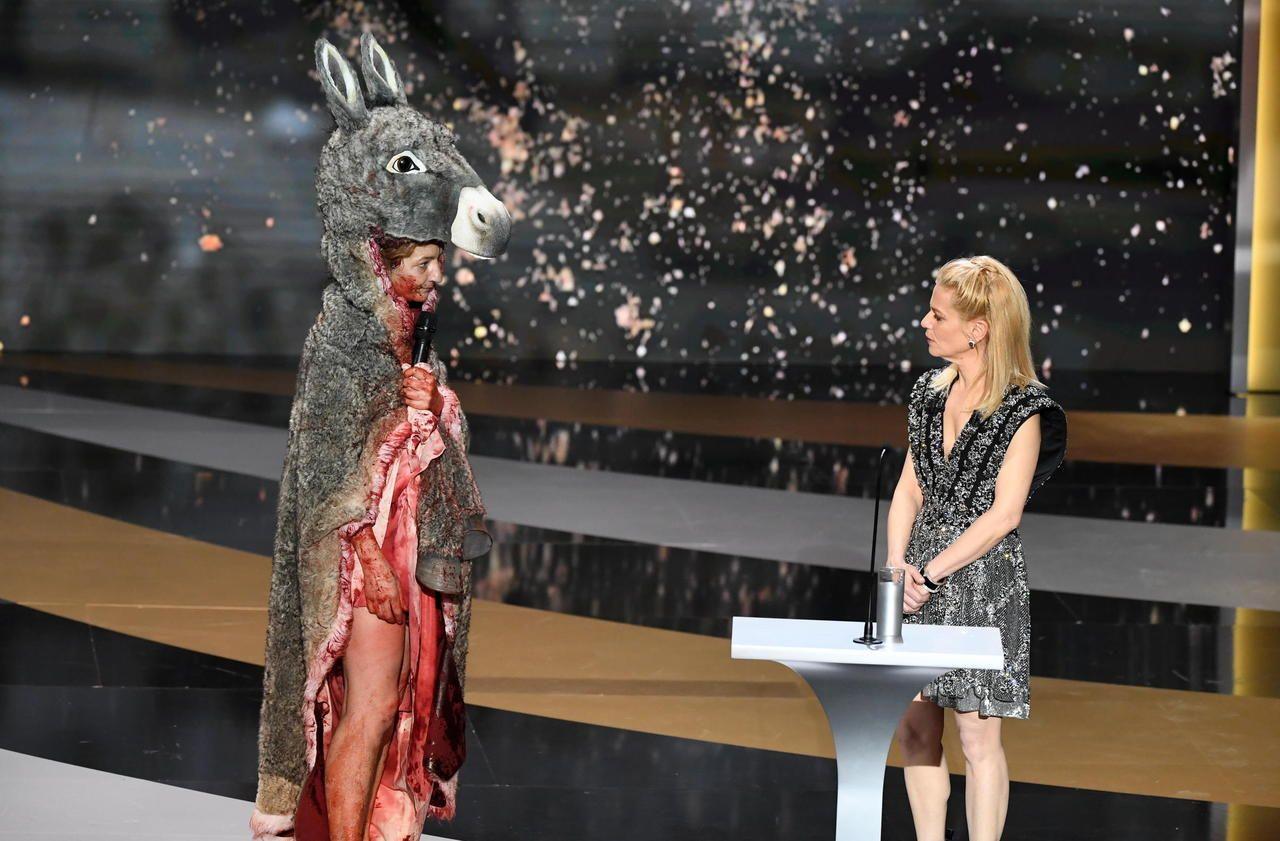 Césars 2021 : «Malaise sérieux» ou «image forte» ? Le coup d'éclat de Corinne Masiero divise - Le Parisien