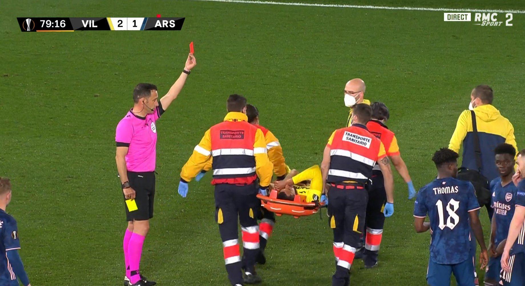 Ligue Europa : Etienne Capoue prend un carton rouge alors qu'il sort sur civière