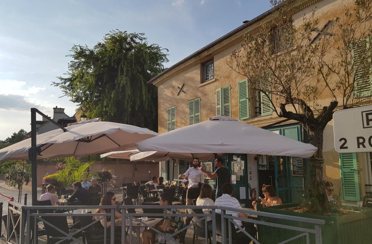 Val-d'Oise : des élus écrivent à Macron pour demander la réouverture des cafés et restaurants