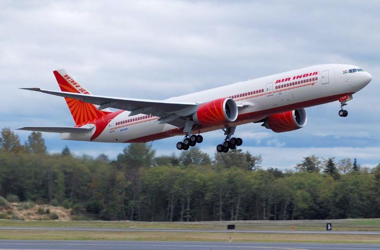 Inde : un avion se brise à l'atterrissage avec près de 200 ...
