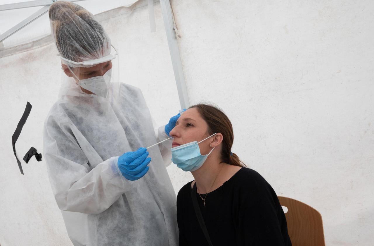 Coronavirus : quatre questions pour comprendre le regain de l'épidémie en Mayenne