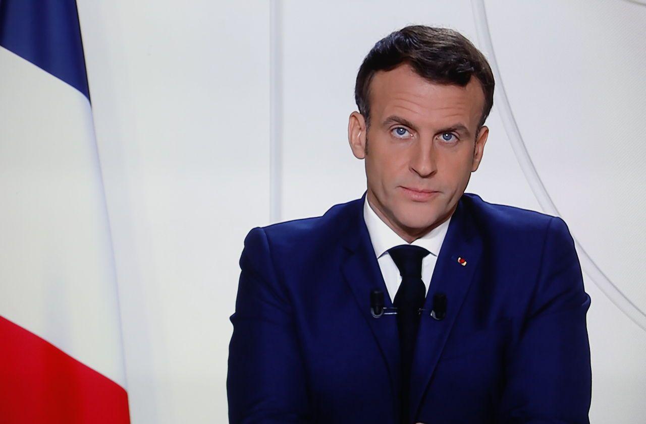 DIRECT. Mort de VGE : Emmanuel Macron rend hommage à l'ancien président