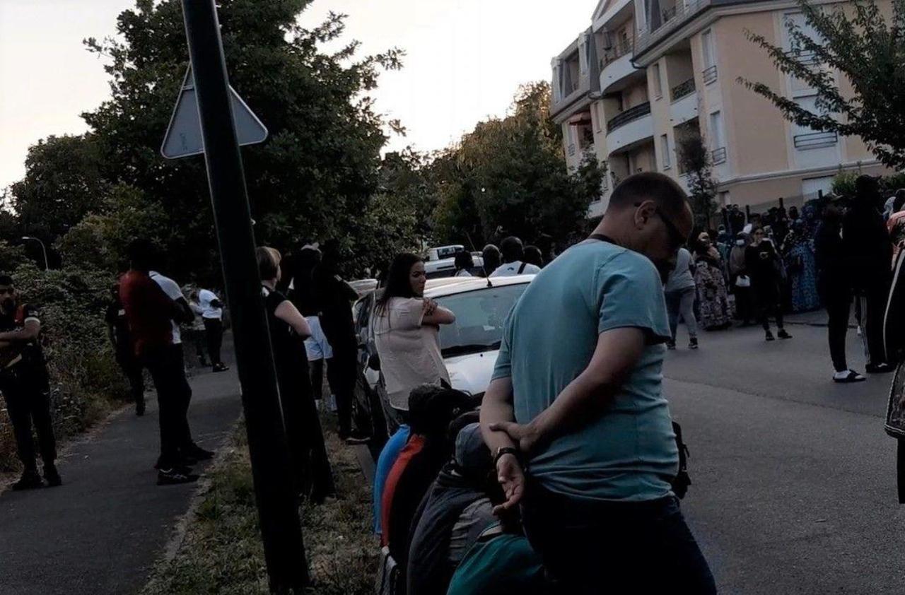 Vigneux-sur-Seine : un homme tué chez lui, émotion autour de son domicile