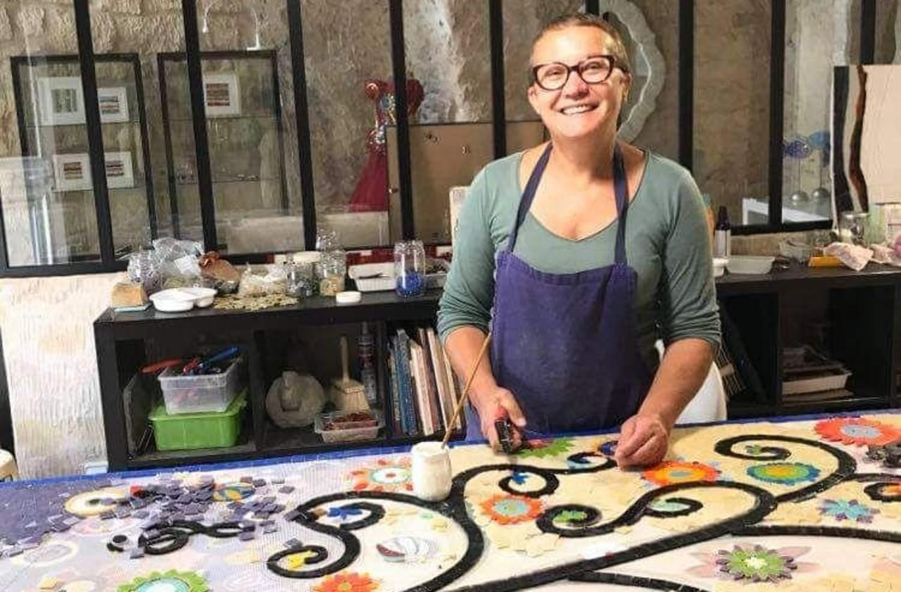 Oise : avec ses mosaïques, elle continue à faire vivre les défunts