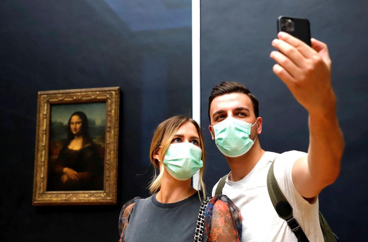 «J'ai l'impression d'être une star» : le Louvre, rouvert, chouchoute son public