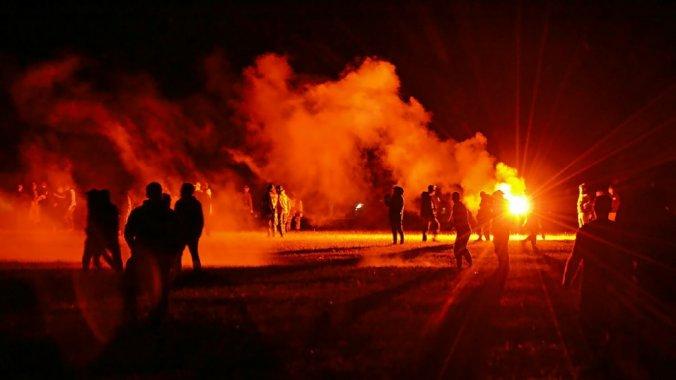 Bretagne : affrontements et confusion autour de l'installation d'une rave  party à Redon – Libération