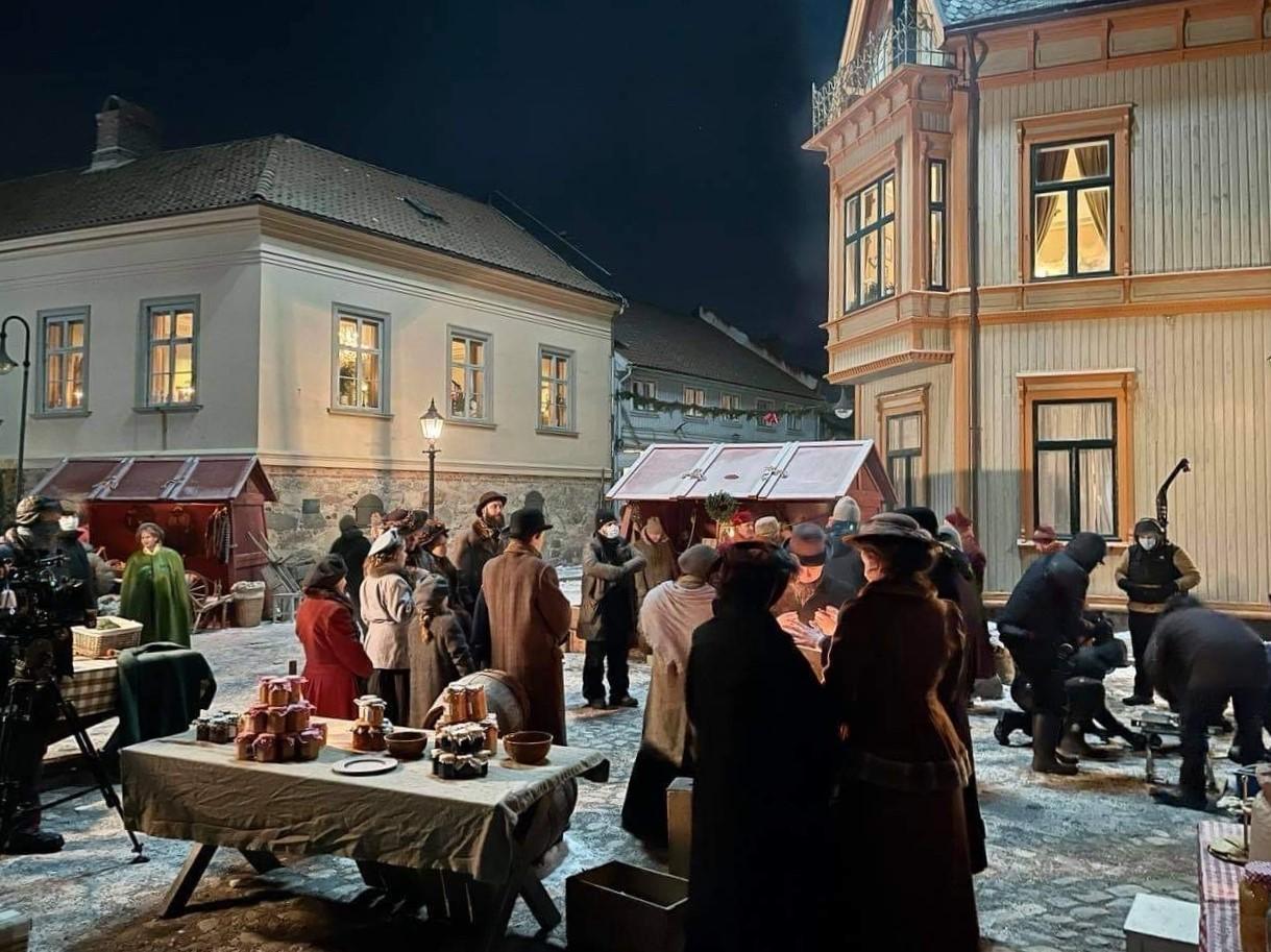 Da utenlandsproduksjon av NRKs julekalender måtte kanselleres, falt valget på denne unike bydelen – Dagsavisen