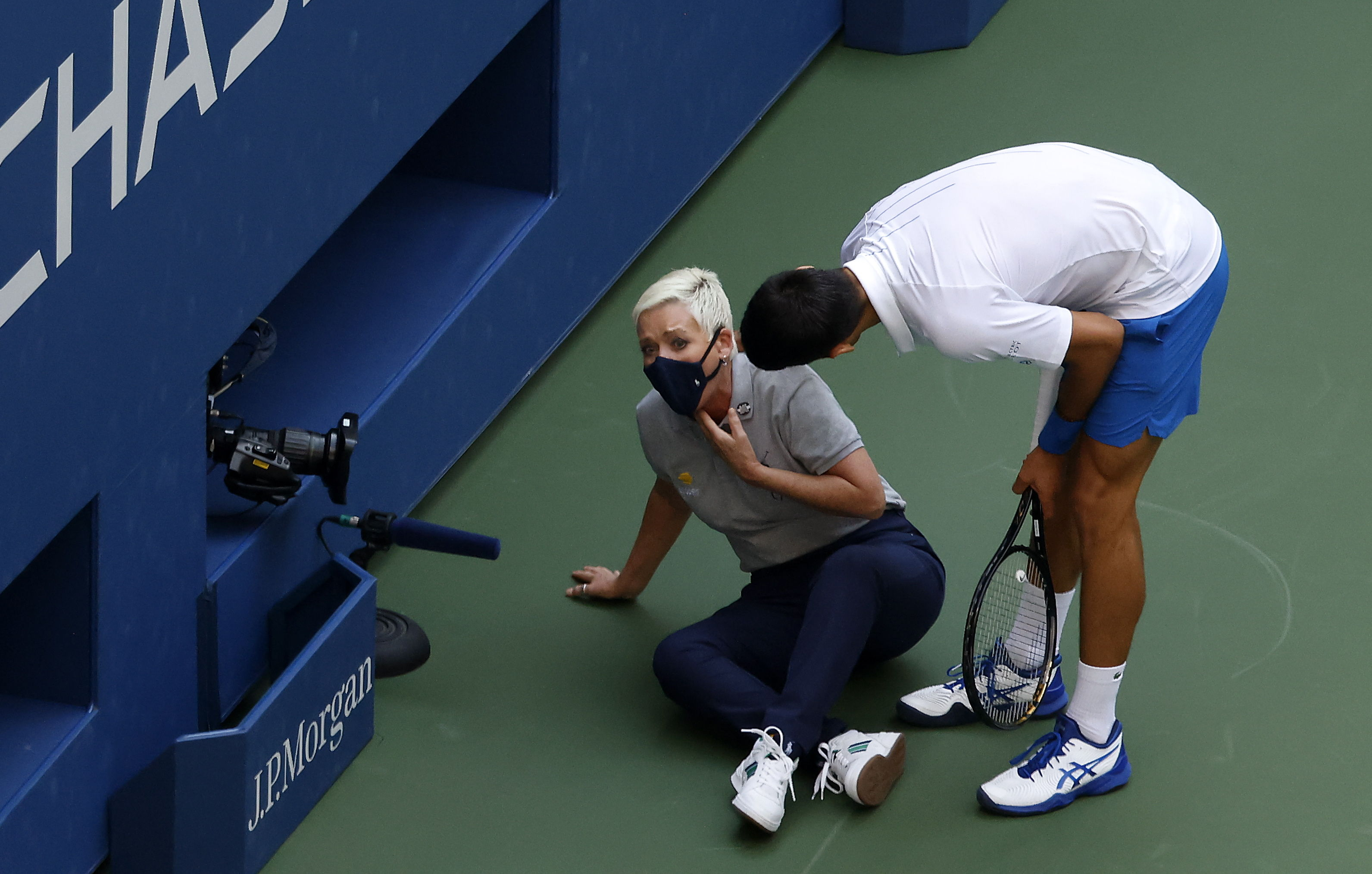 Djokovic Disqualified From Us Open For Hitting A Linesman Sports