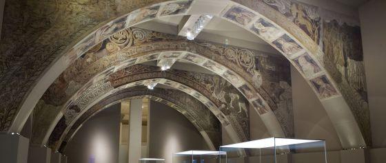 Las pinturas originarias de la Sala Capitular del Real Monasterio de Sijena se exponen en el MNAC desde 1960.