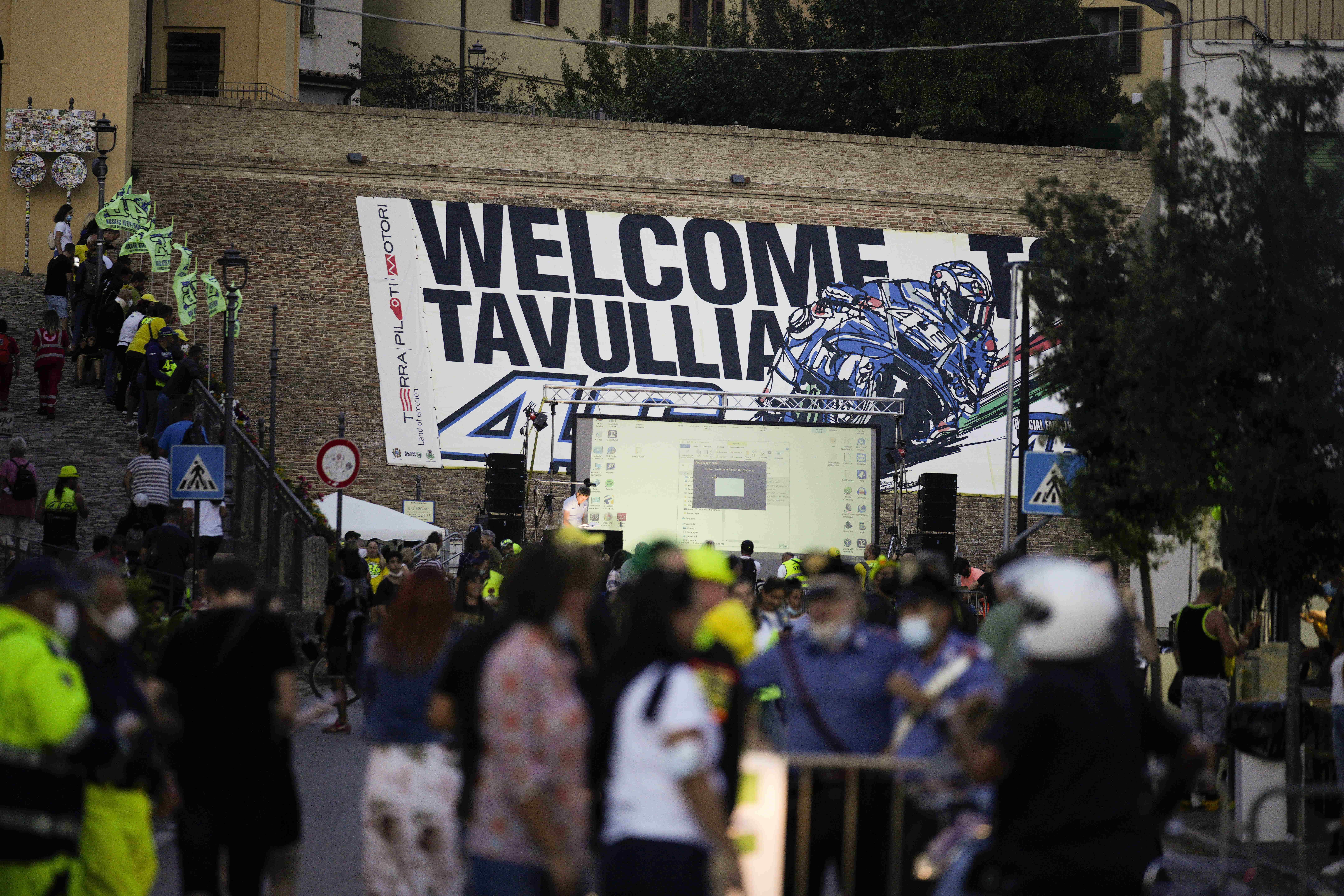 Tavullia se aferra a lo que queda de Valentino Rossi