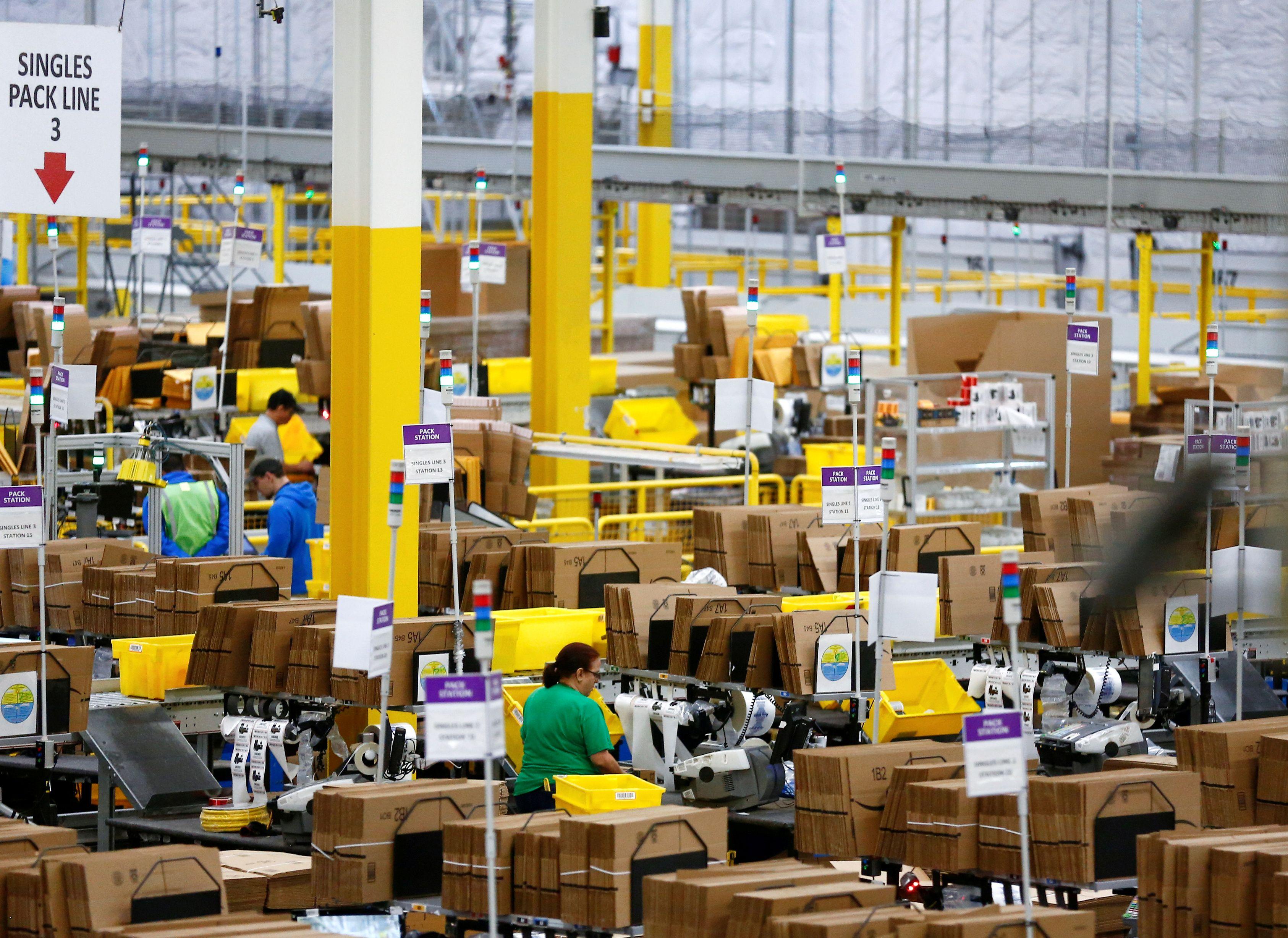 Un informe cuestiona la vigilancia de precios de Amazon durante la pandemia