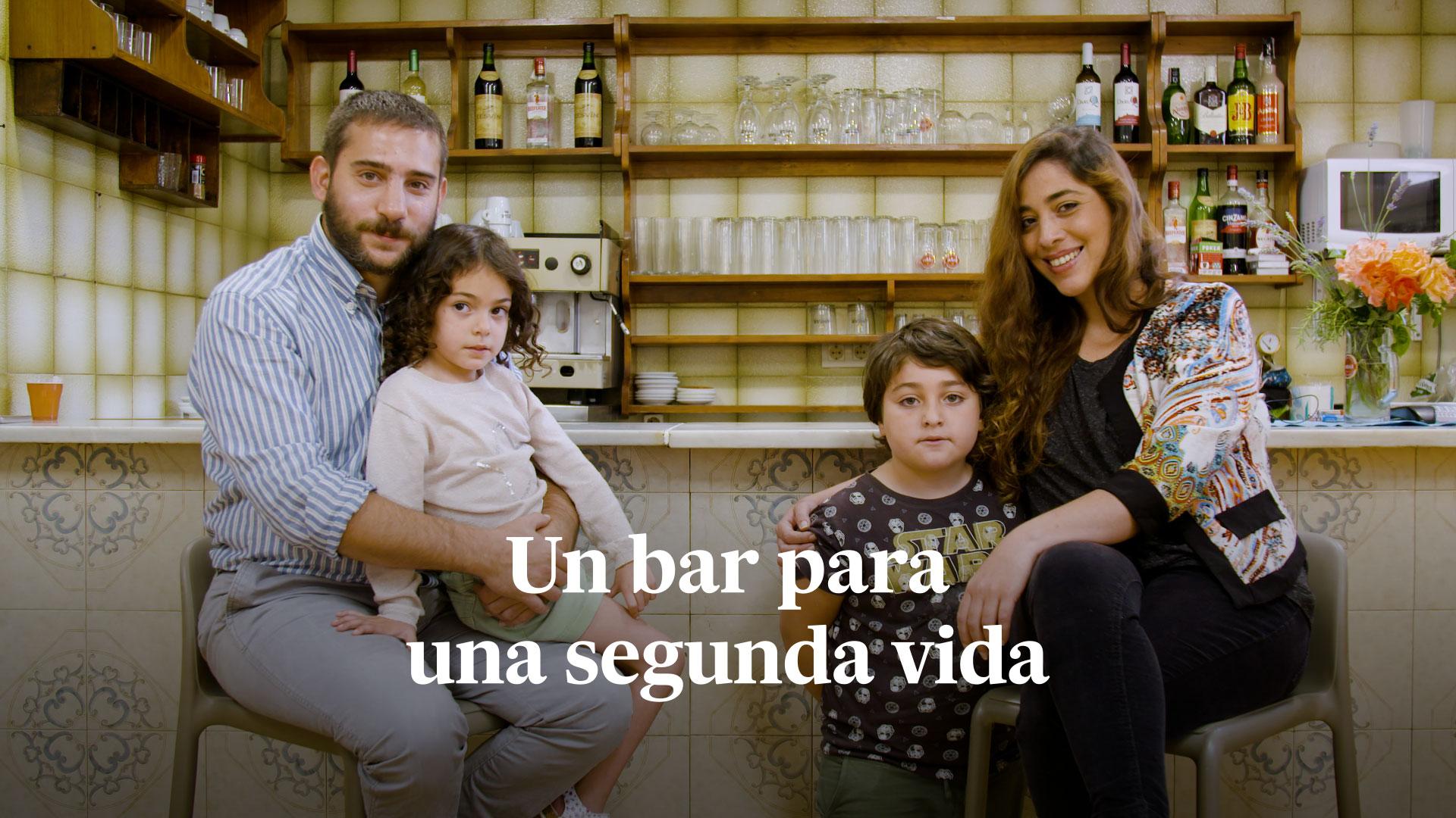Videorreportaje | La familia argentina que devolvió la vida al único bar de un pueblo de la España vaciada