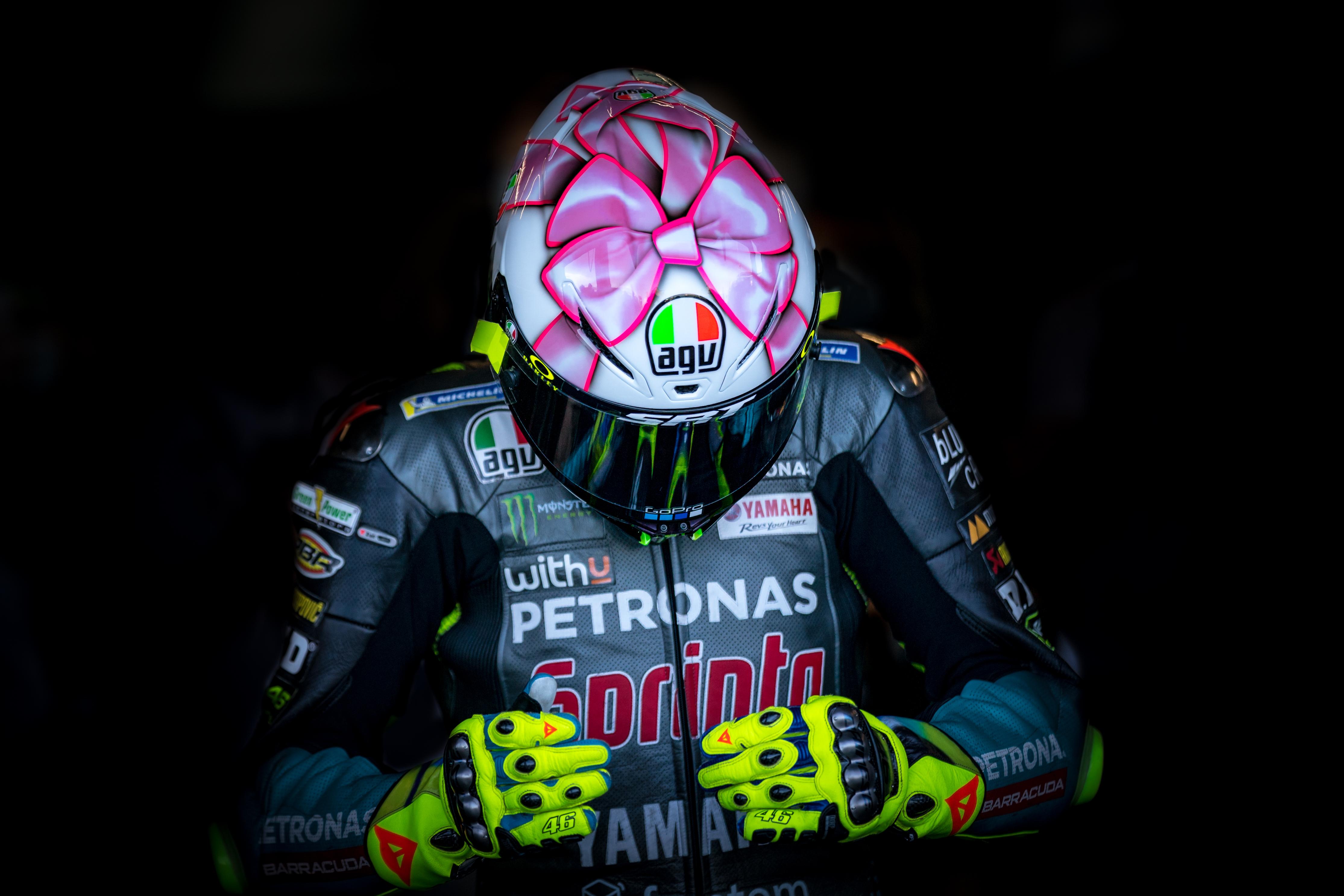 La pesada mochila de Valentino Rossi