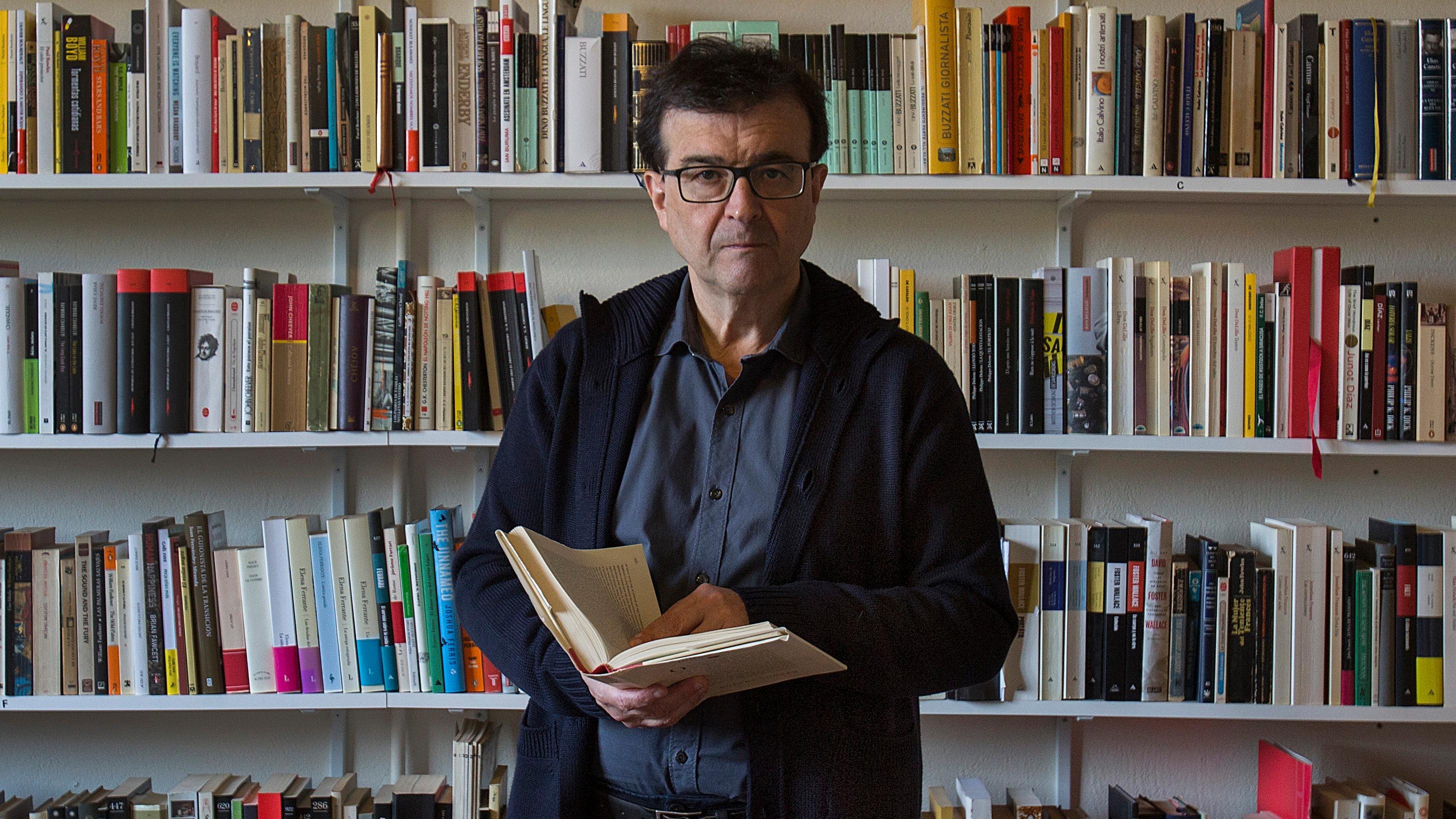 Javier Cercas actuará legalmente contra quienes le acusan de alentar una intervención militar en Cataluña | Cataluña | EL PAÍS
