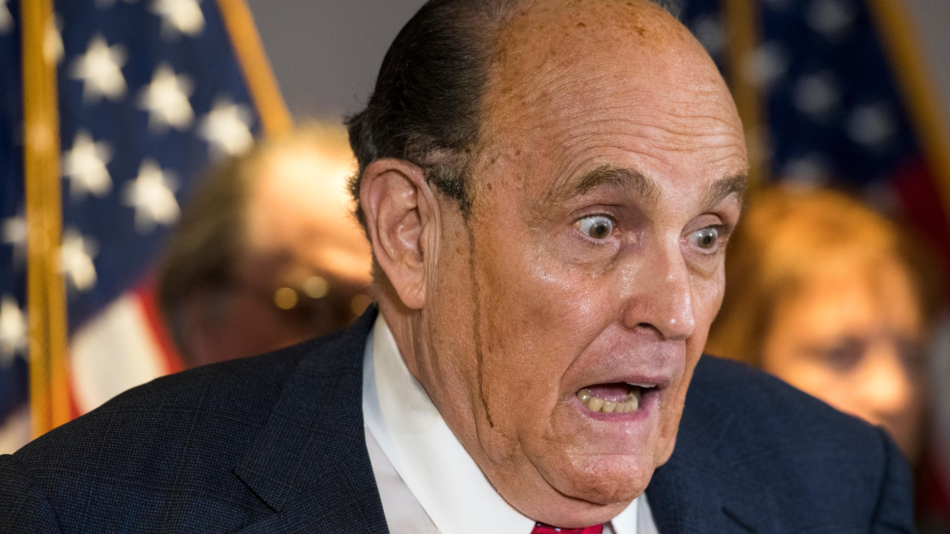 La decadencia de Rudy Giuliani, en tres actos