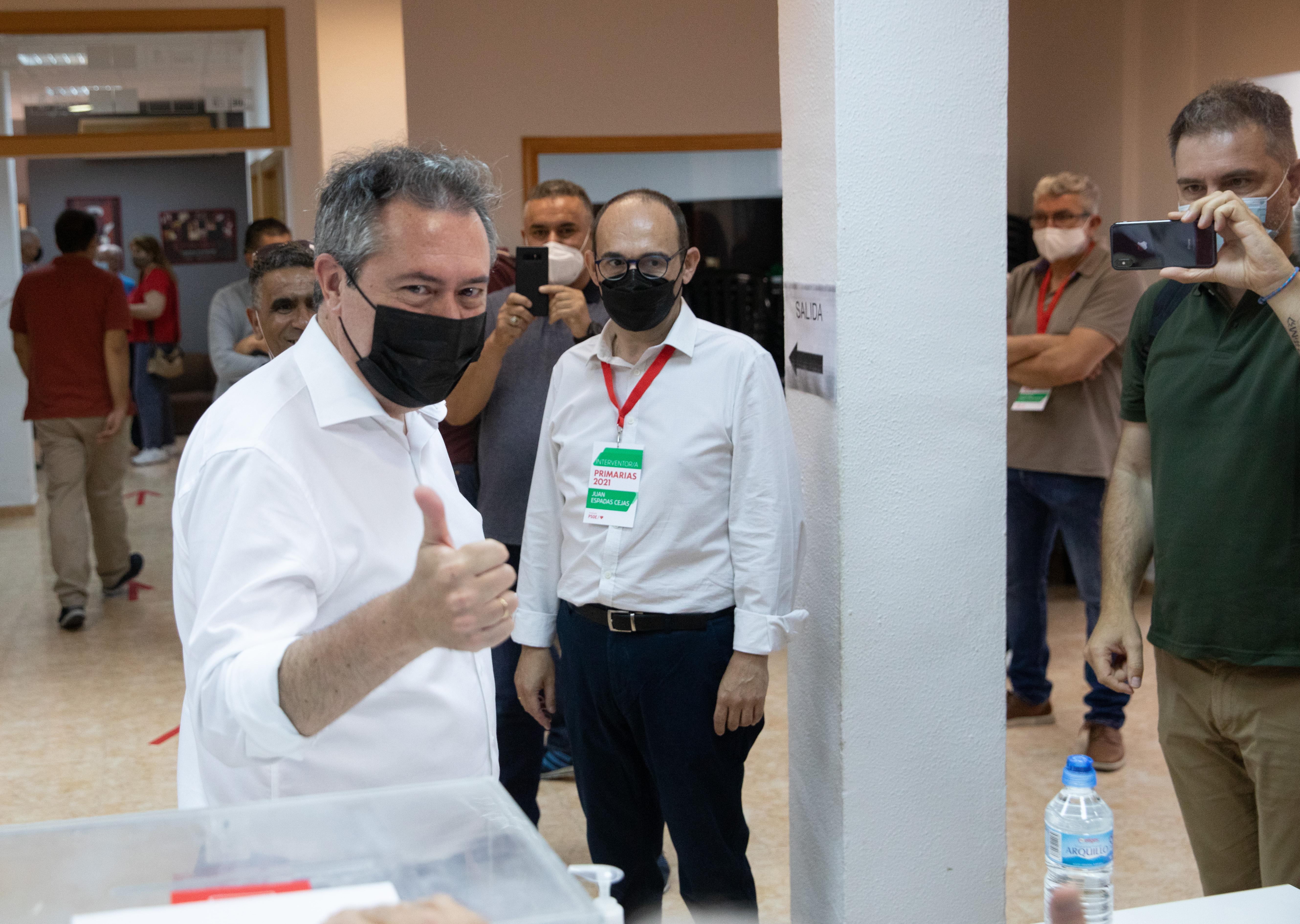 Juan Espadas se impone a Susana Díaz en las primarias del PSOE andaluz como futuro candidato a la Junta