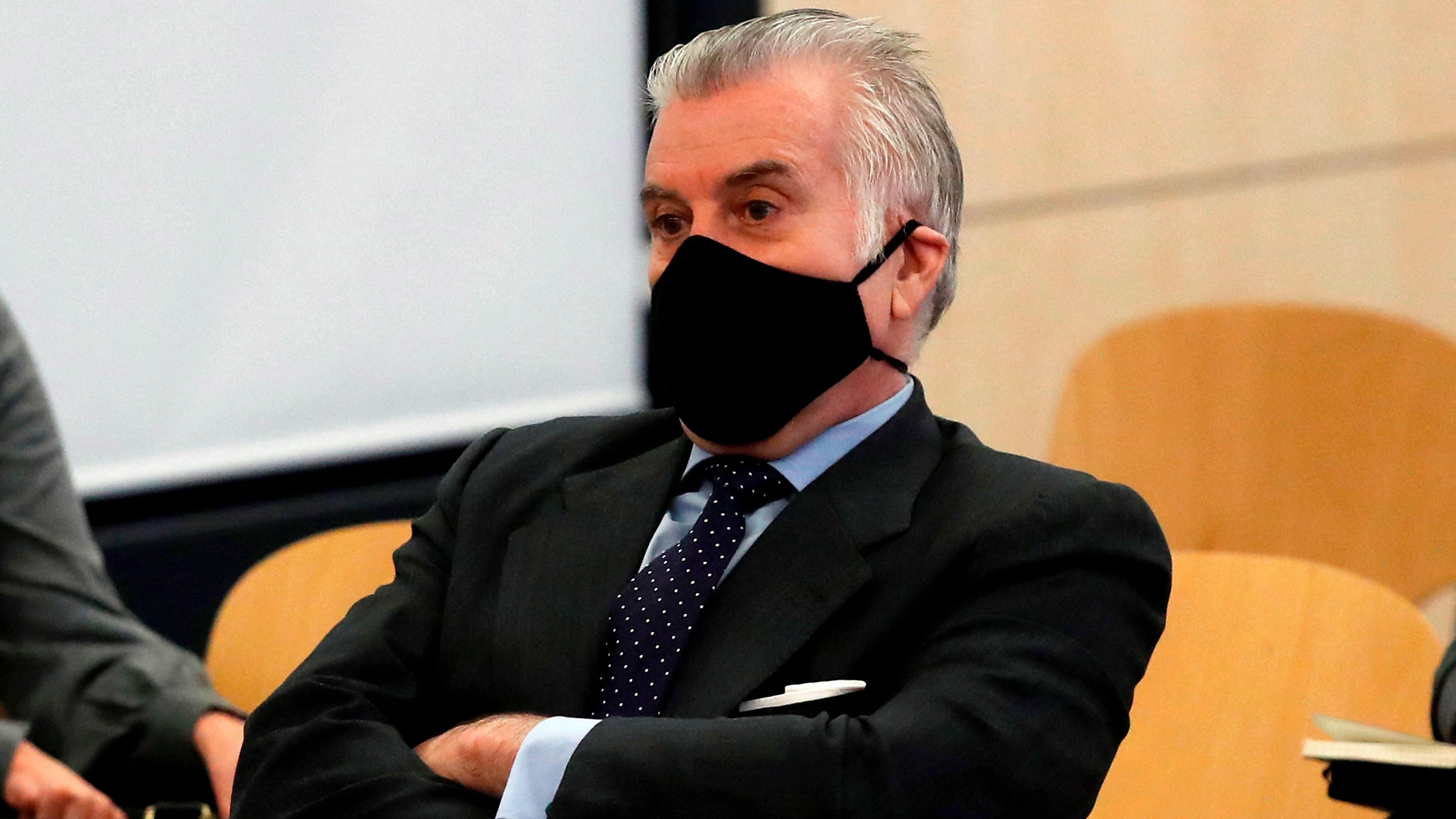 La Fiscalía pide a Bárcenas más datos del supuesto material sensible que guardaba del PP