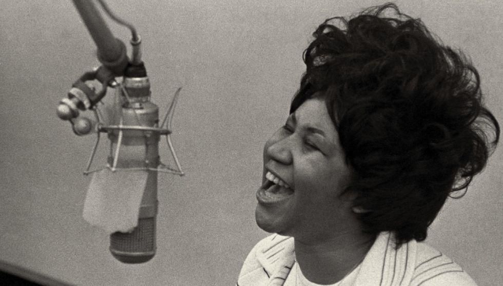 Más allá del mito: el mundo de martirios, maltratos e inseguridades de Aretha Franklin