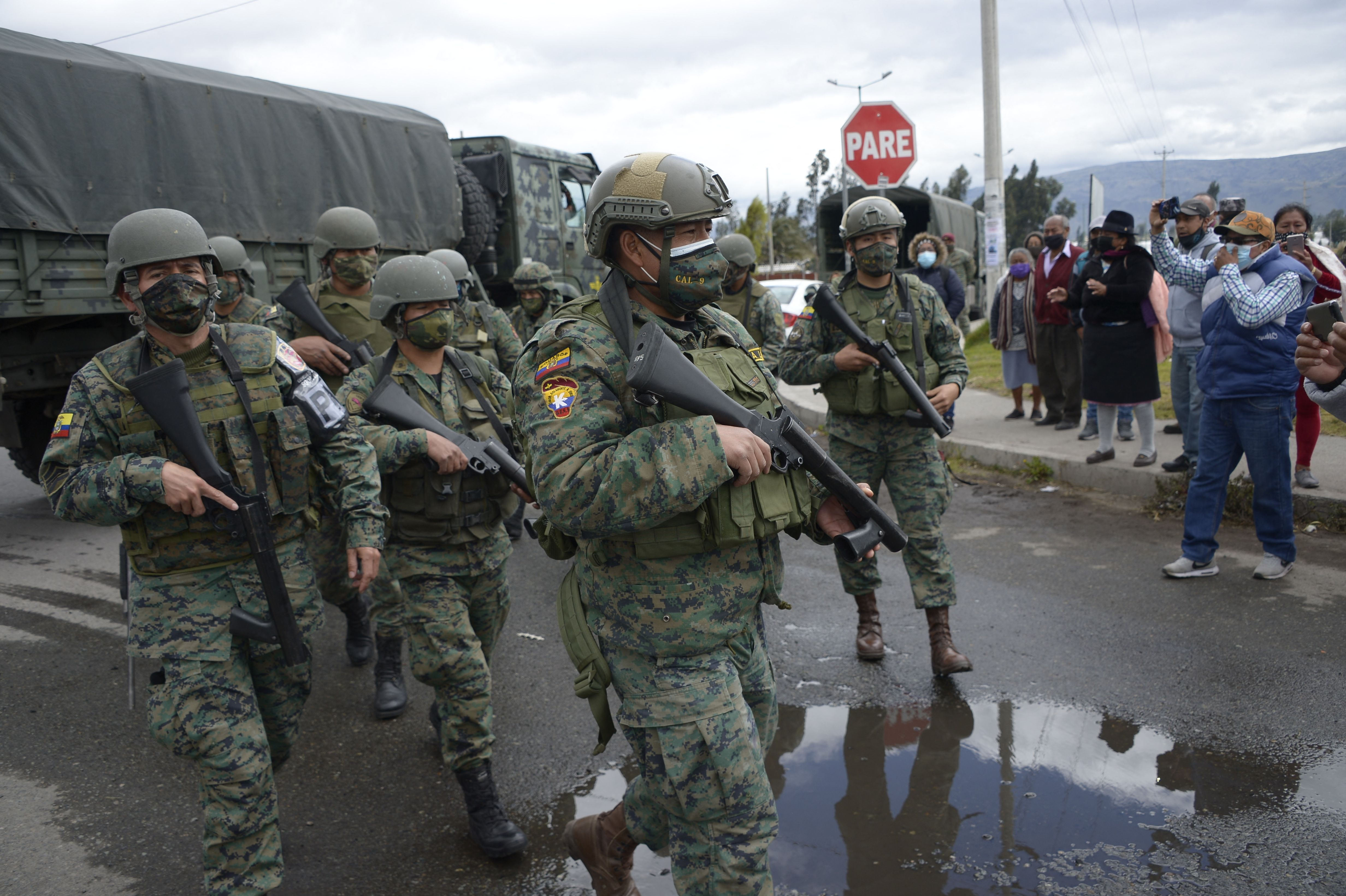Al menos 22 muertos en dos motines en cárceles de Ecuador