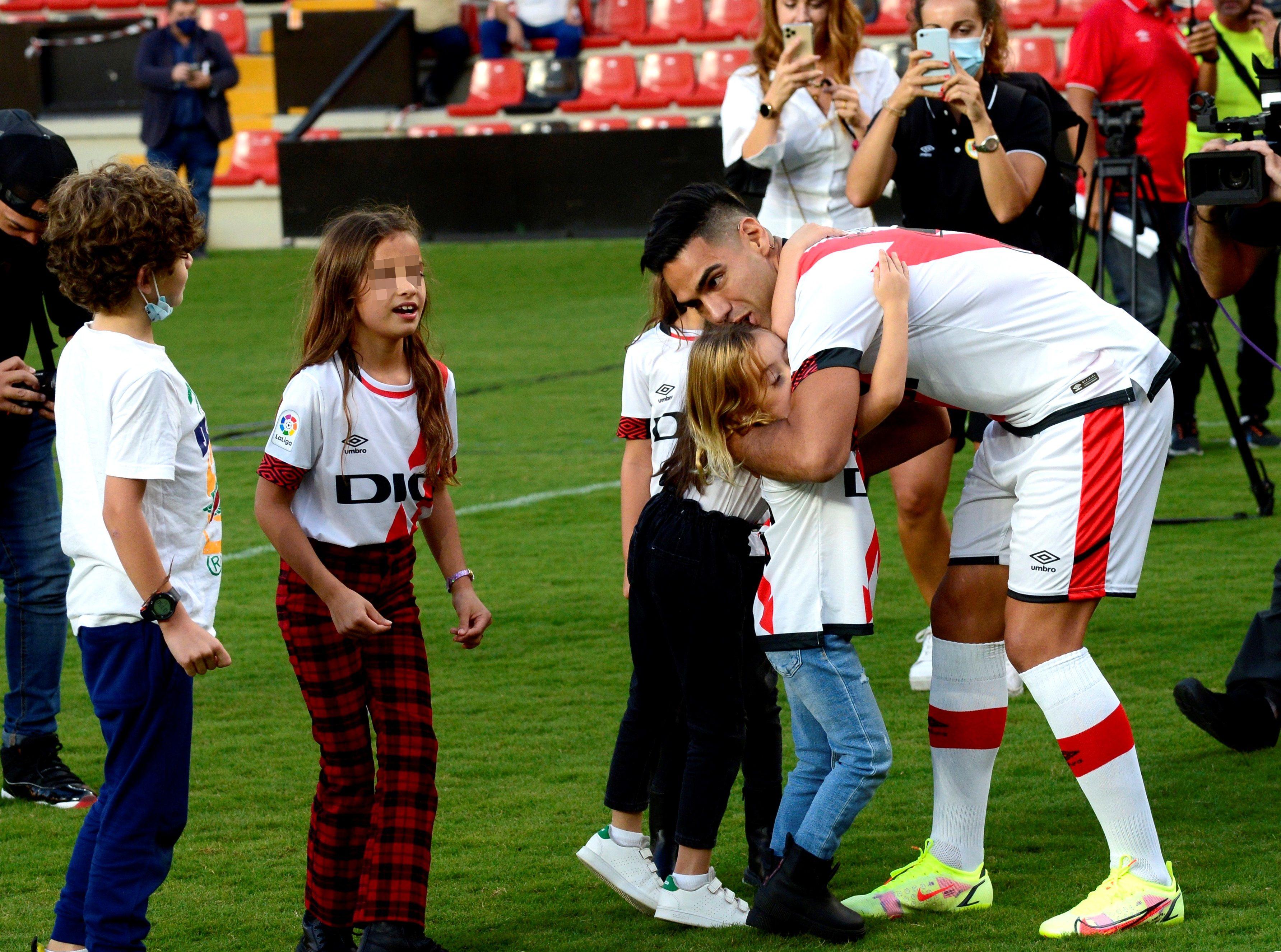 """Radamel Falcao promete """"muchos goles y muchas alegrías"""" a la afición del Rayo"""