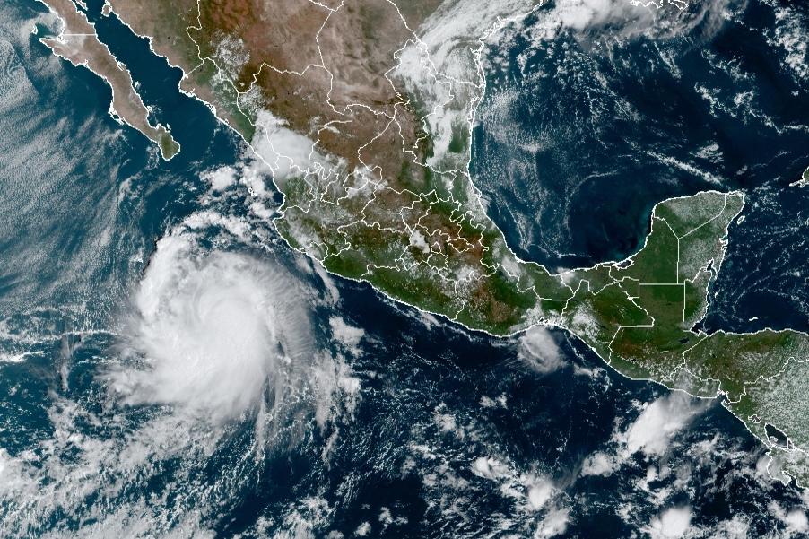 'Pamela' cobra fuerza y se convierte en huracán 1 mientras avanza hacia las costas mexicanas