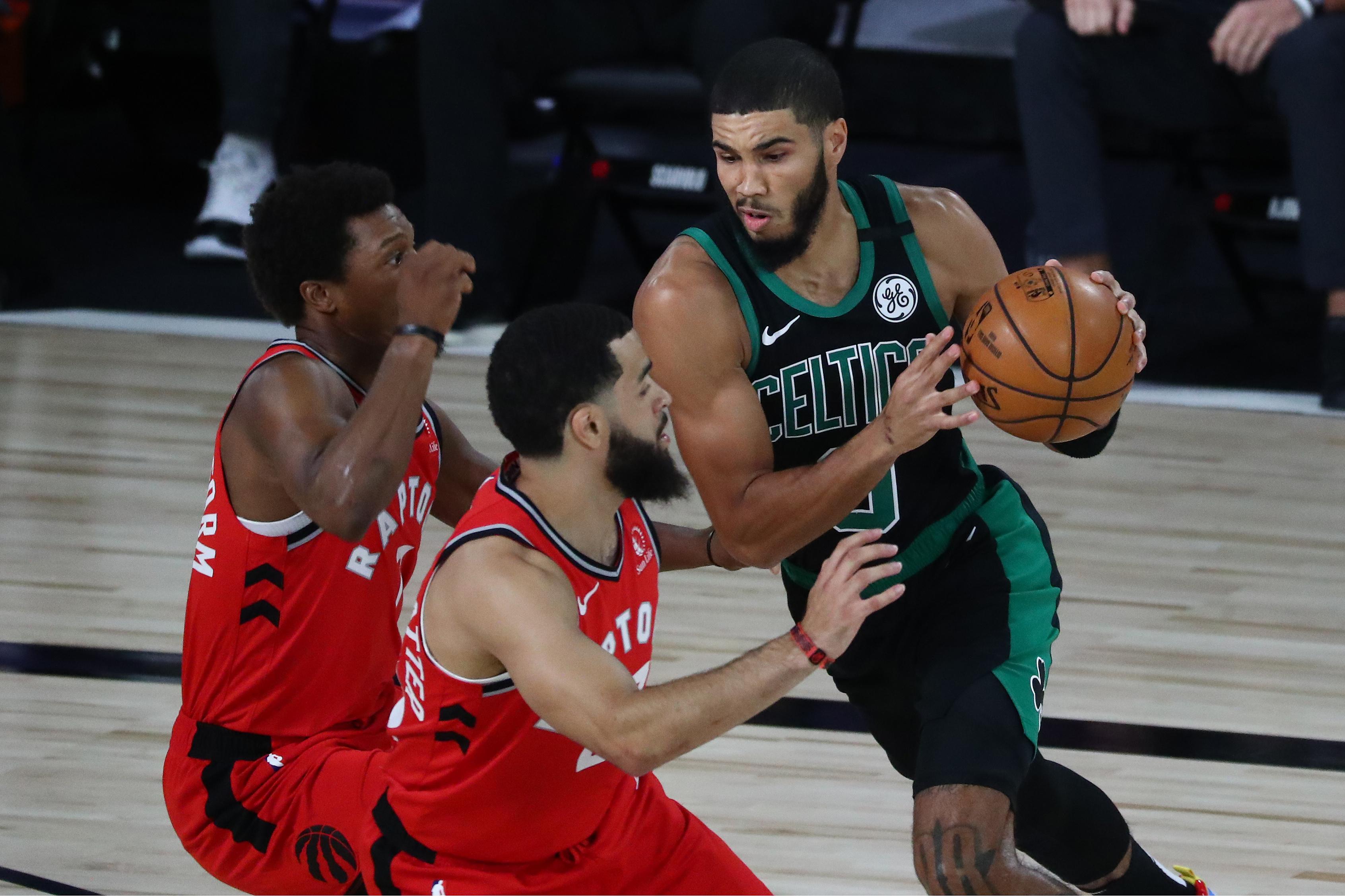 Los Celtics arrasan a los Raptors y se ponen a un triunfo de la final del Este