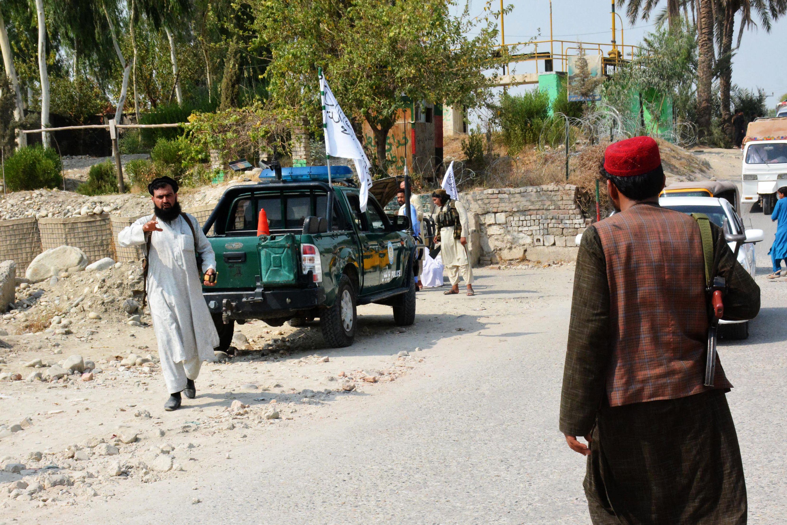 Al menos tres muertos en los primeros atentados tras la salida de EE UU de Afganistán