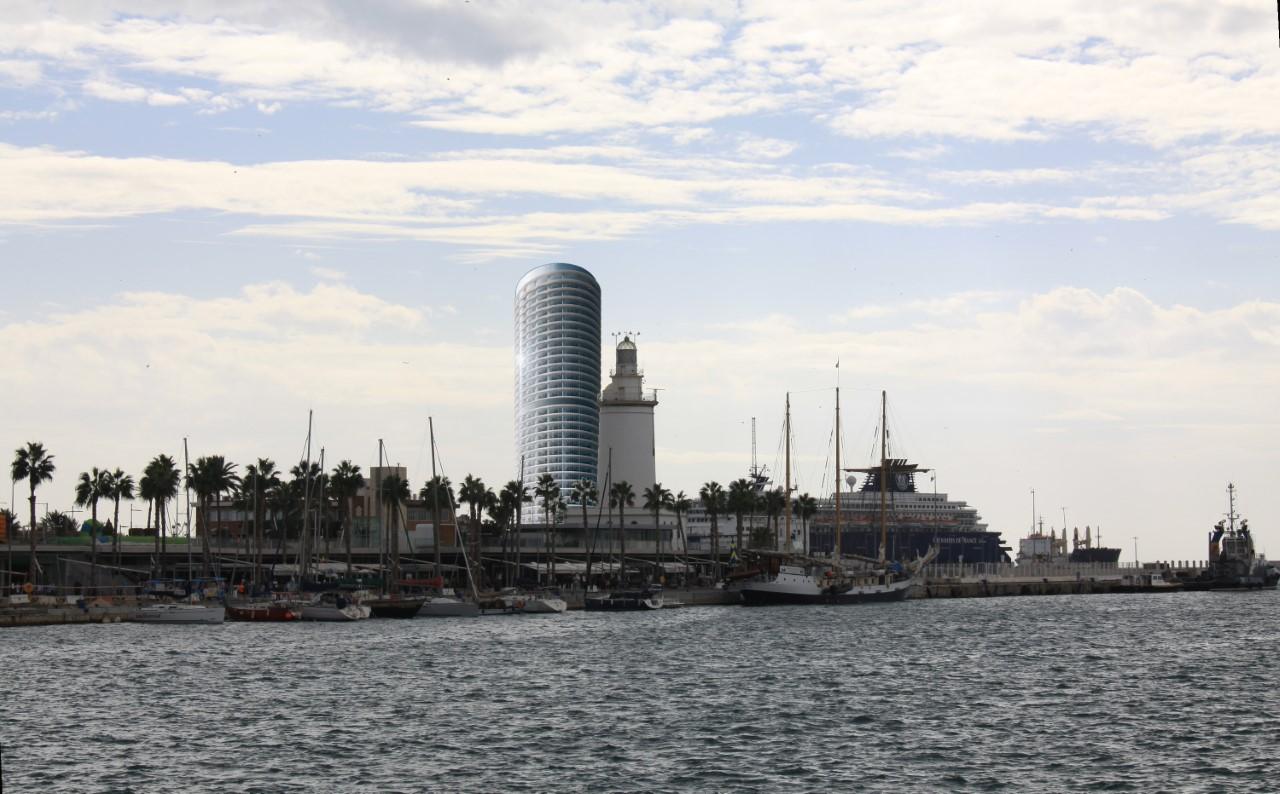 El enorme 'dildo de Levante' que amenaza con cambiar para siempre el paisaje cultural de Málaga 1