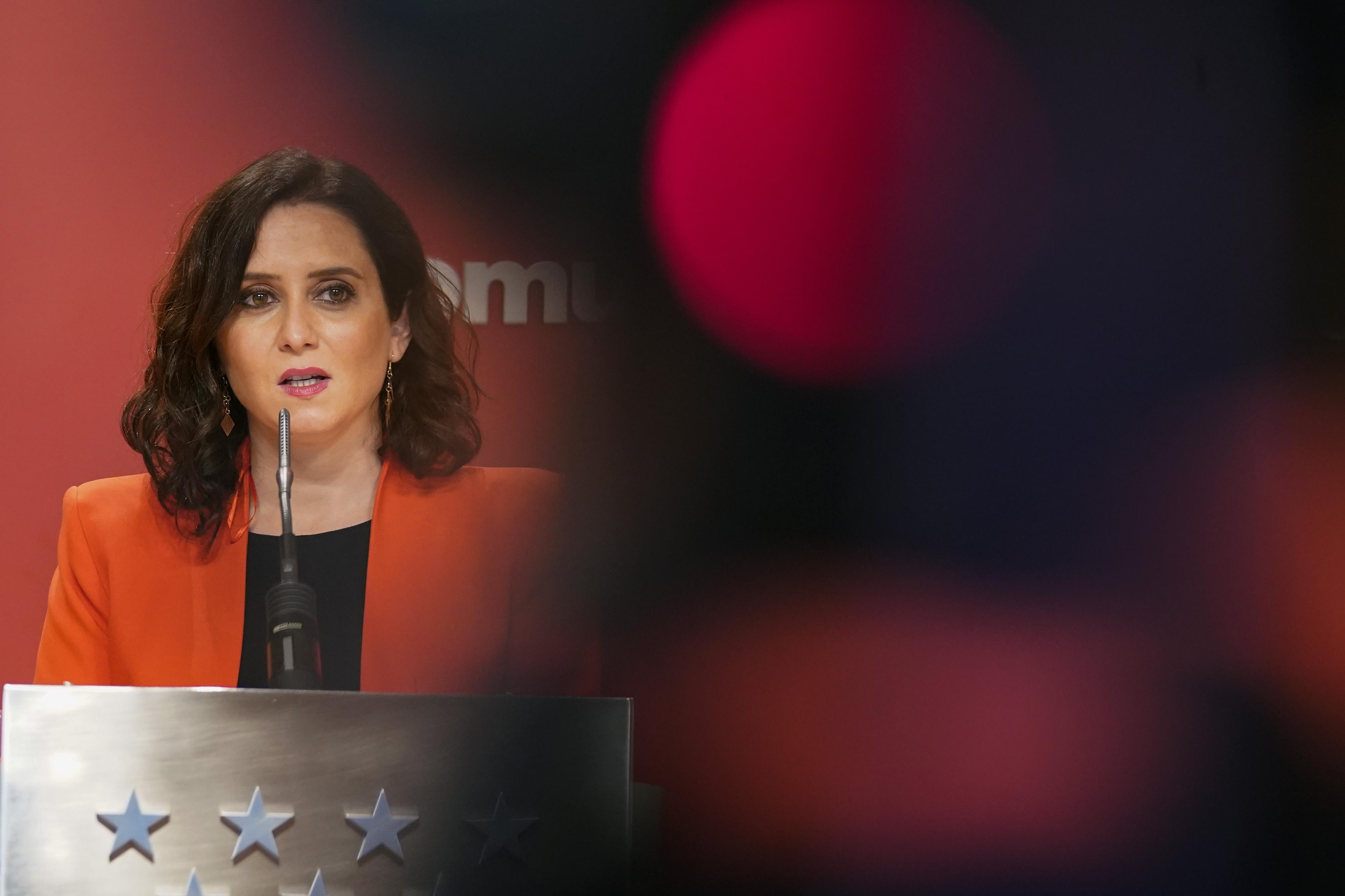 DVD1043 (15/02/2021) La presidenta de la Comunidad de Madrid Isabel D'az Ayuso llega a una rueda de prensa en la sede en la Puerta del Sol en Madrid.