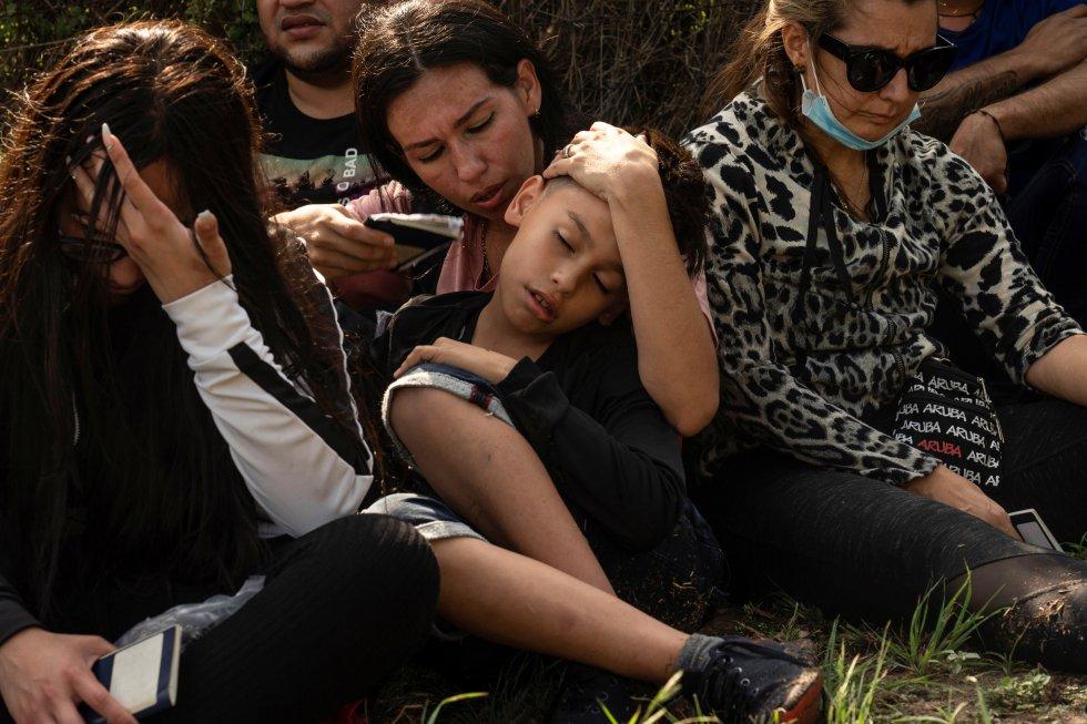 Un juez ordena a la Administración Biden levantar la orden que permite las expulsiones exprés de migrantes