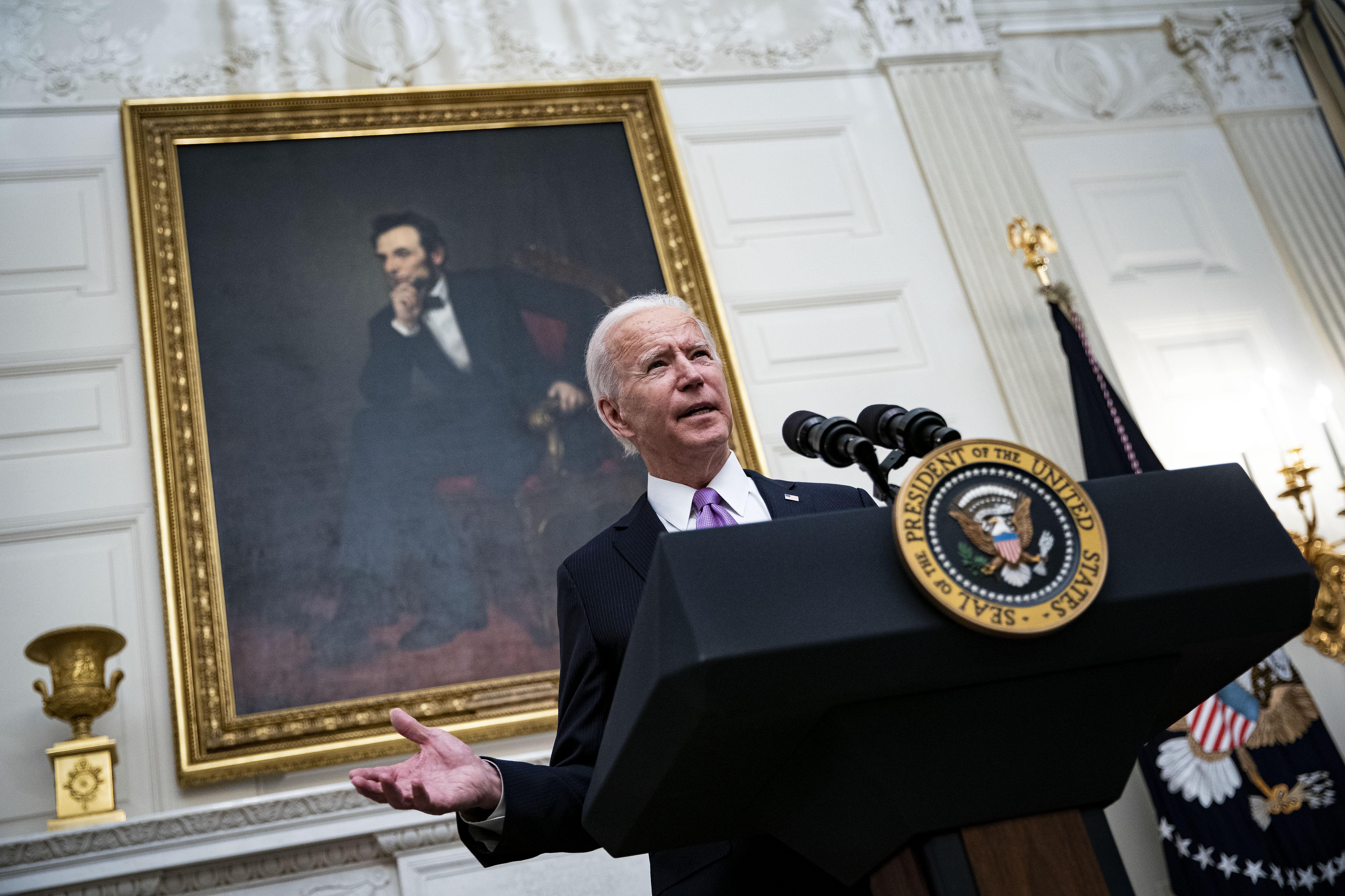 Primeras medidas de Joe Biden como presidente de EEUU tras la toma de posesión, en vivo