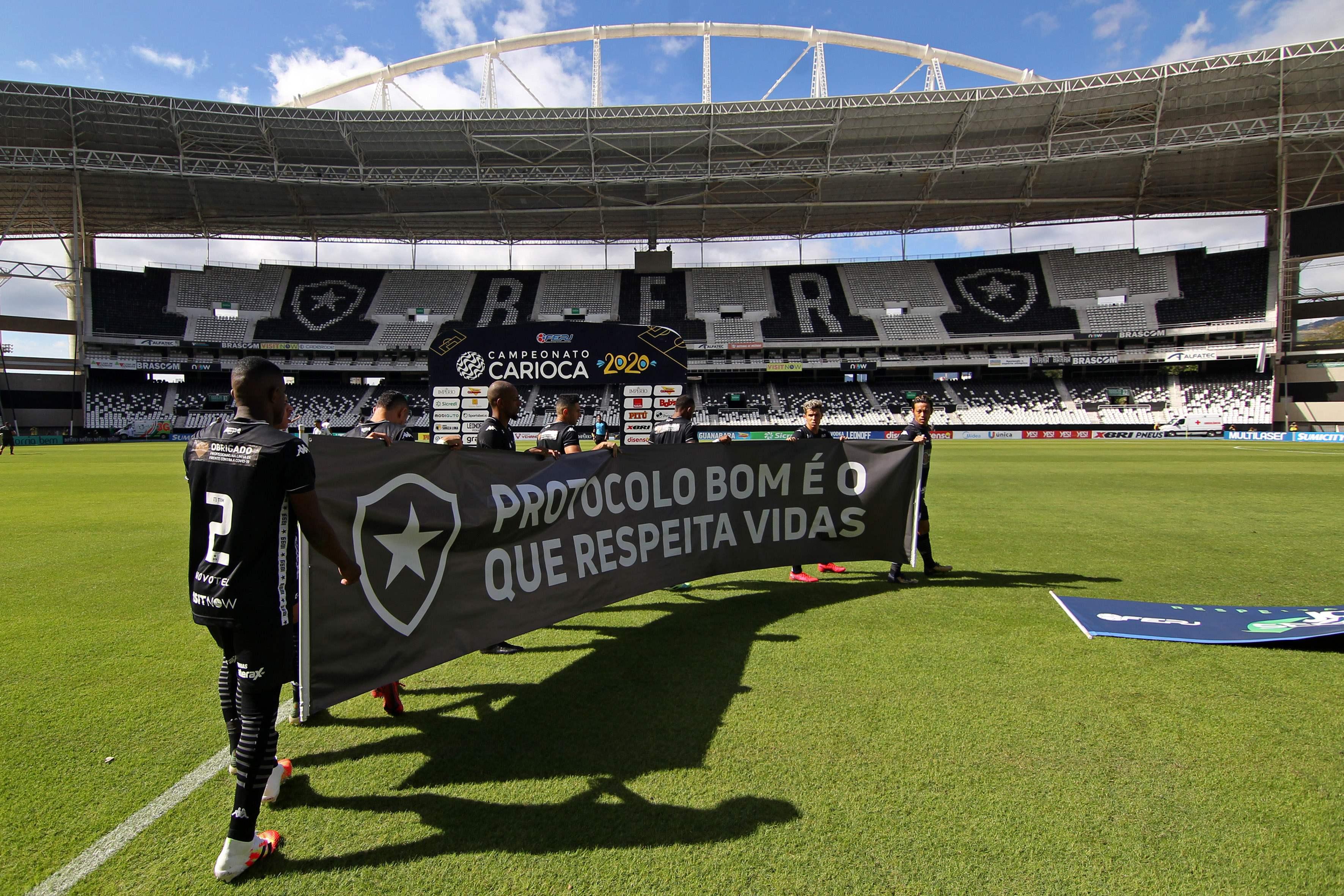 Pandemia de coronavírus: Retomada às pressas do futebol no Rio ignora  jogadores infectados e projeta abertura a torcedores | Esportes | EL PAÍS  Brasil