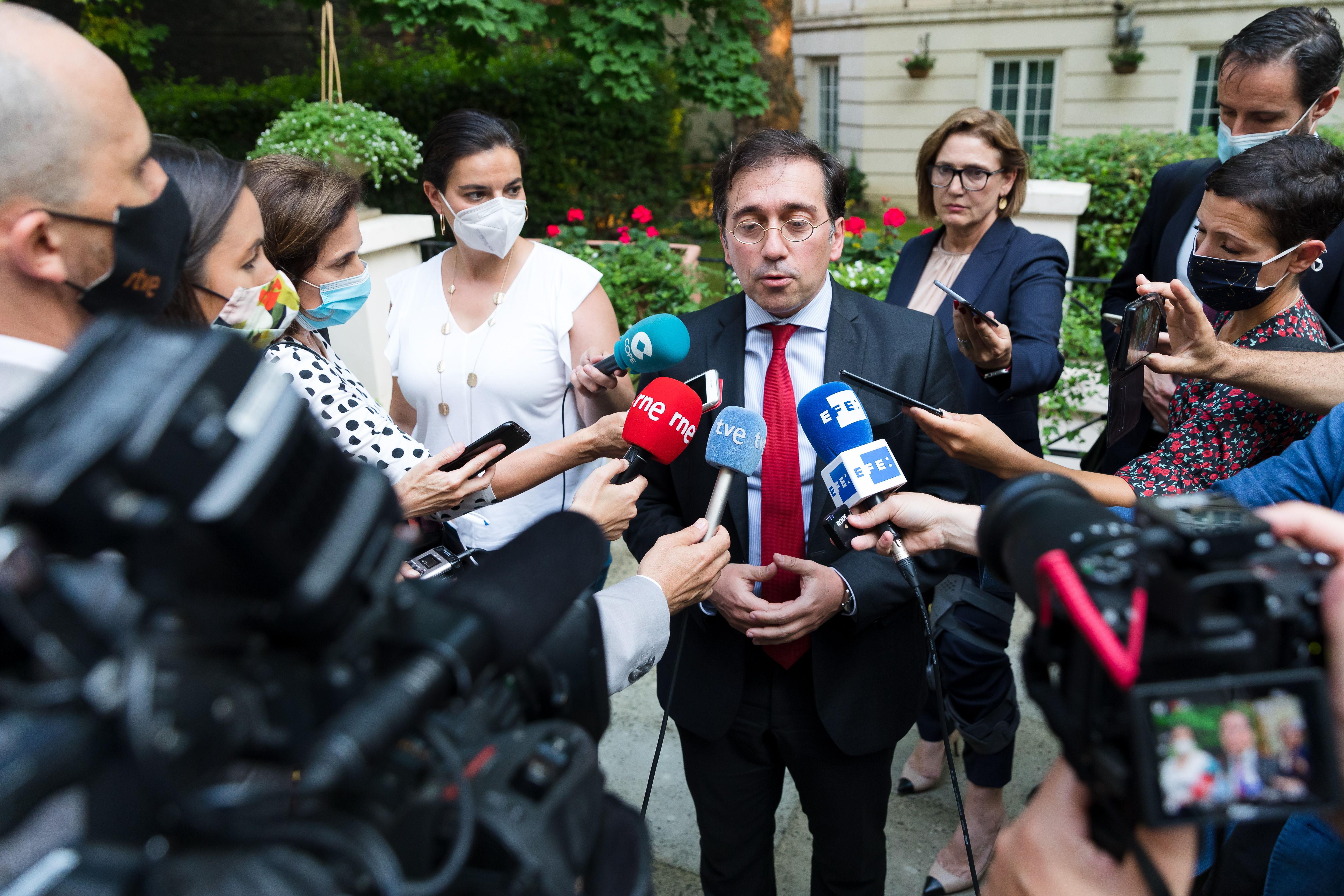 Albares intenta suavizar el rechazo de Londes al documento de la UE sobre Gibraltar