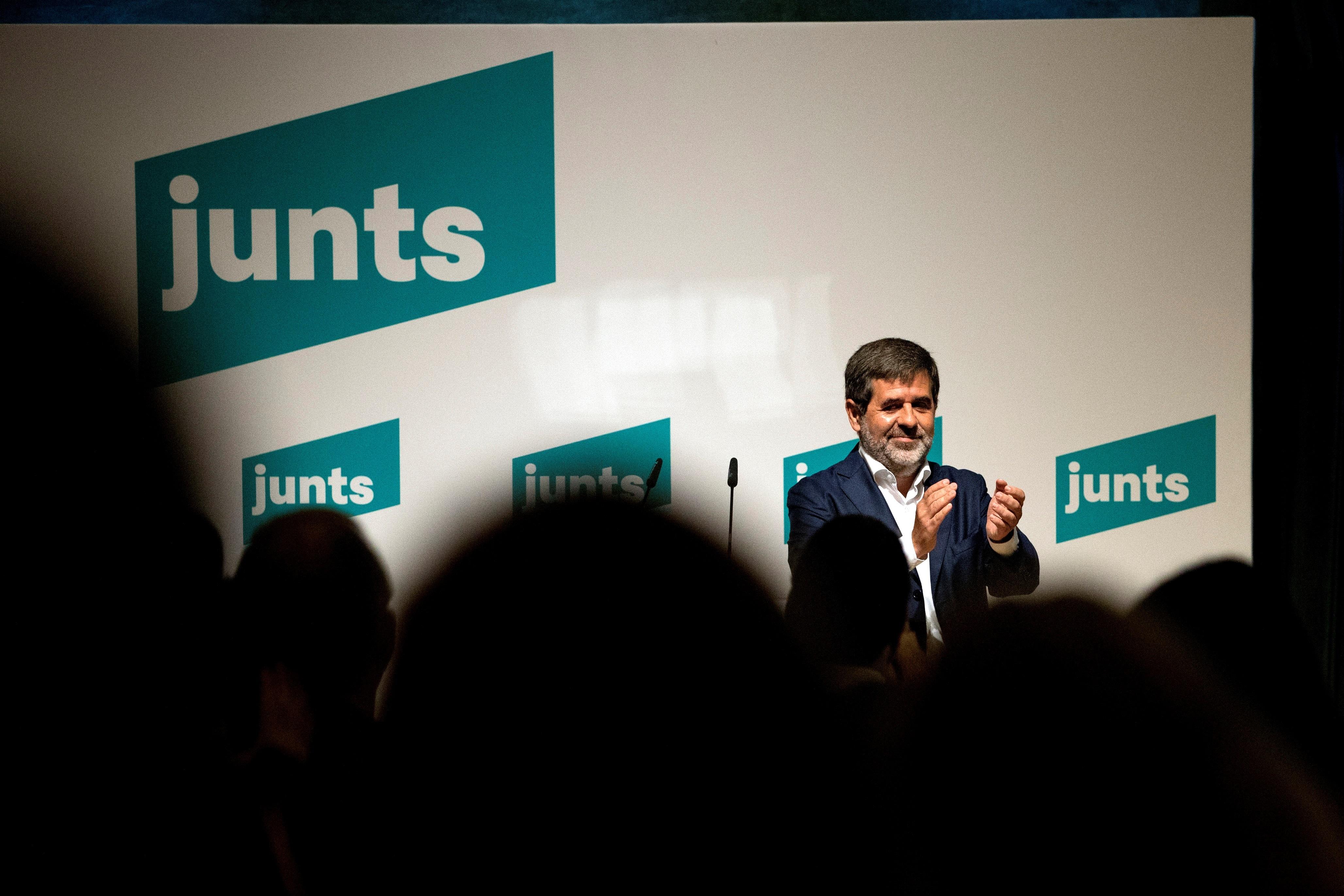 Junts, dividida entre la gestión y la autoridad de Puigdemont