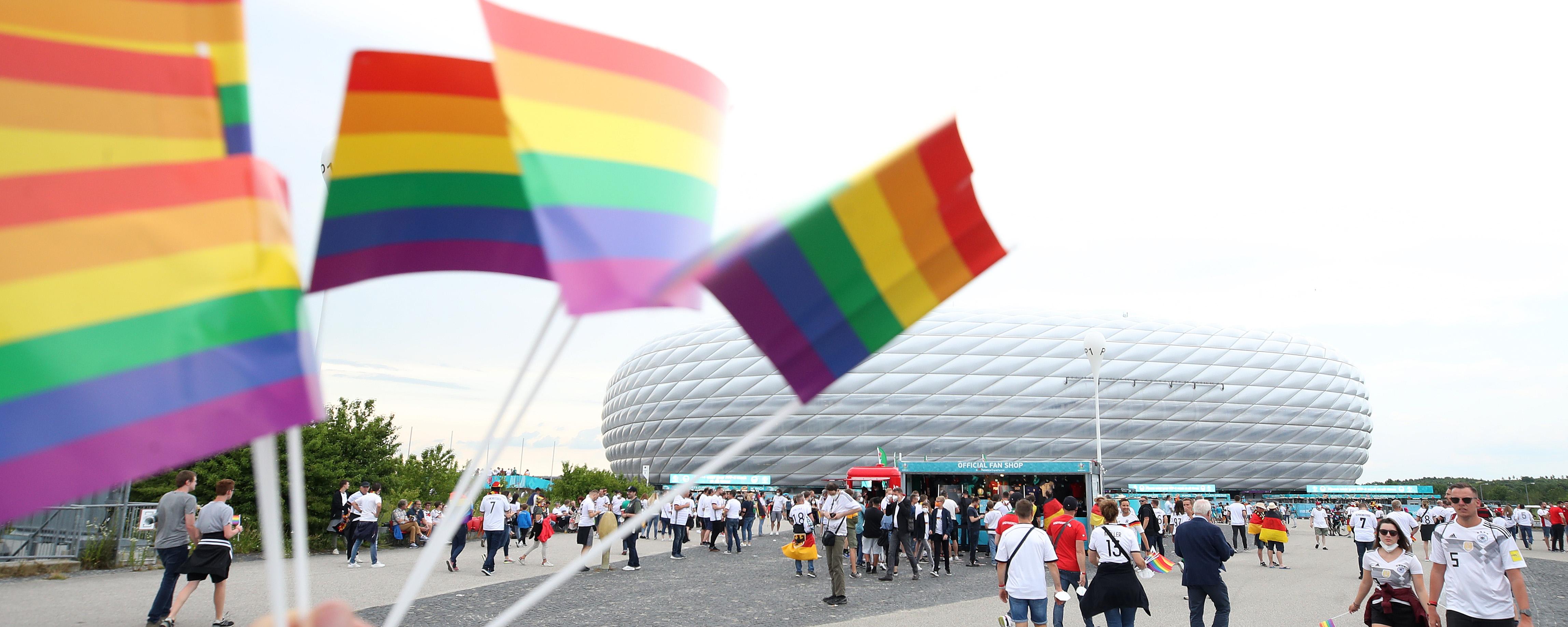 Ni homófobo ni lo contrario: la UEFA