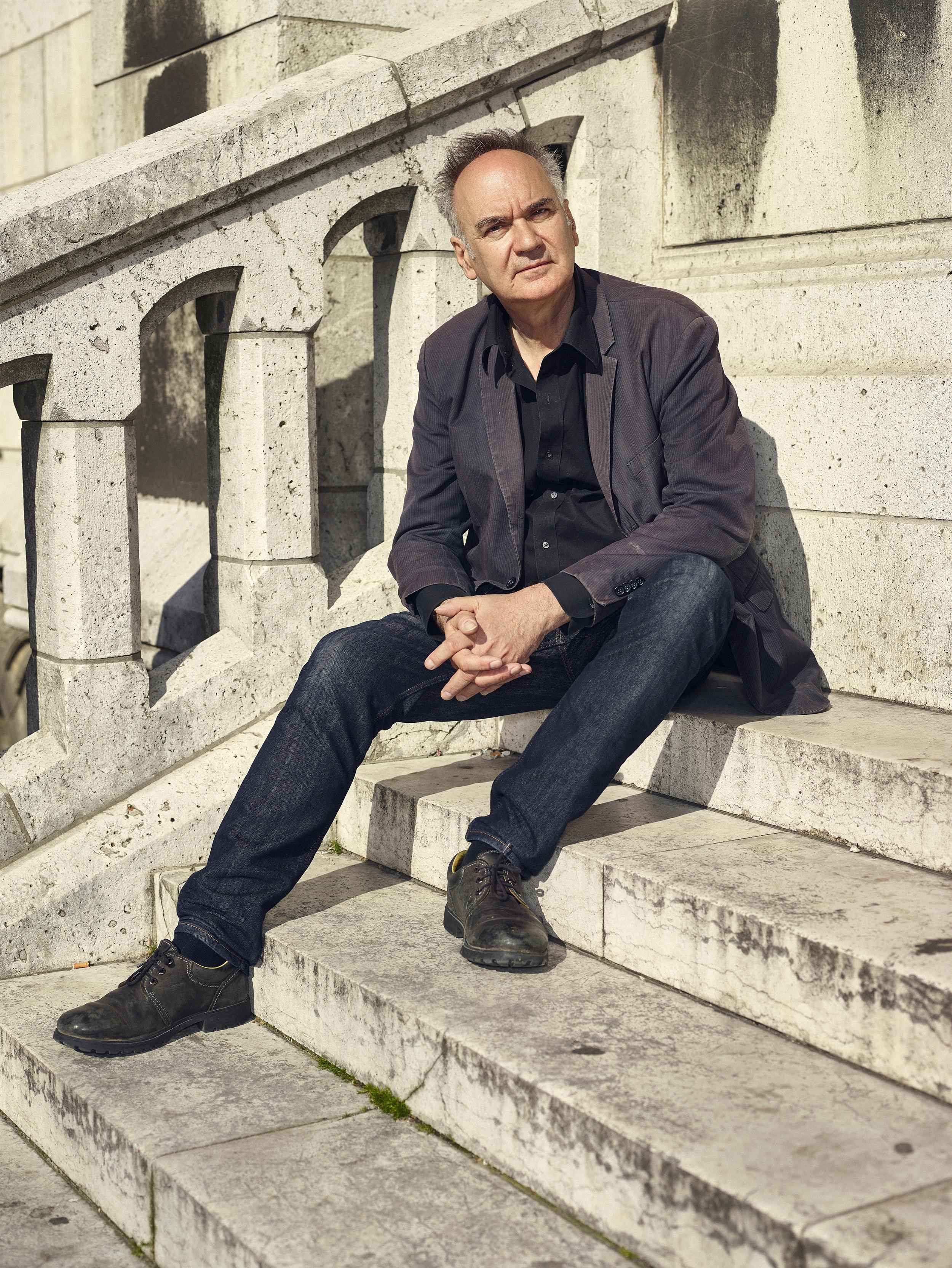 El escritor francés Hervé Le Tellier, esta semana en París.