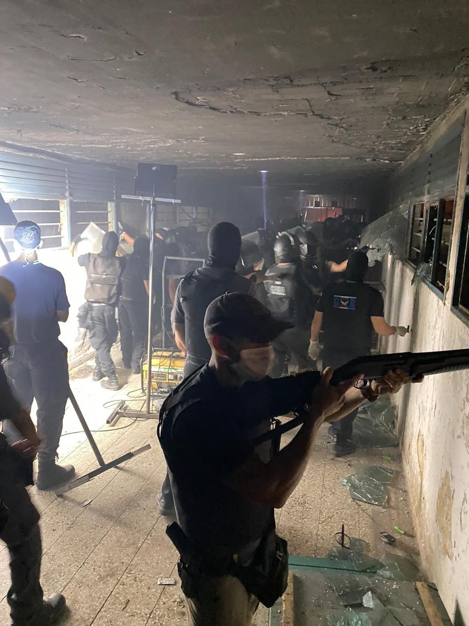 Operativo policial para sofocar un motín en la cárcel de Las Flores, en la provincia argentina de Santa Fe.