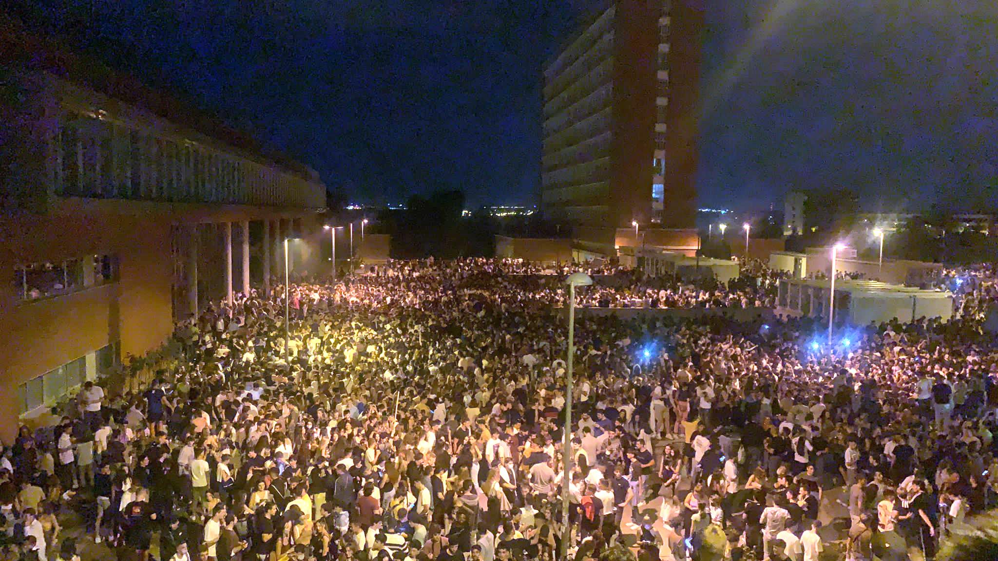 Un macrobotellón de 25.000 personas en la Ciudad Universitaria de Madrid para celebrar el inicio de curso