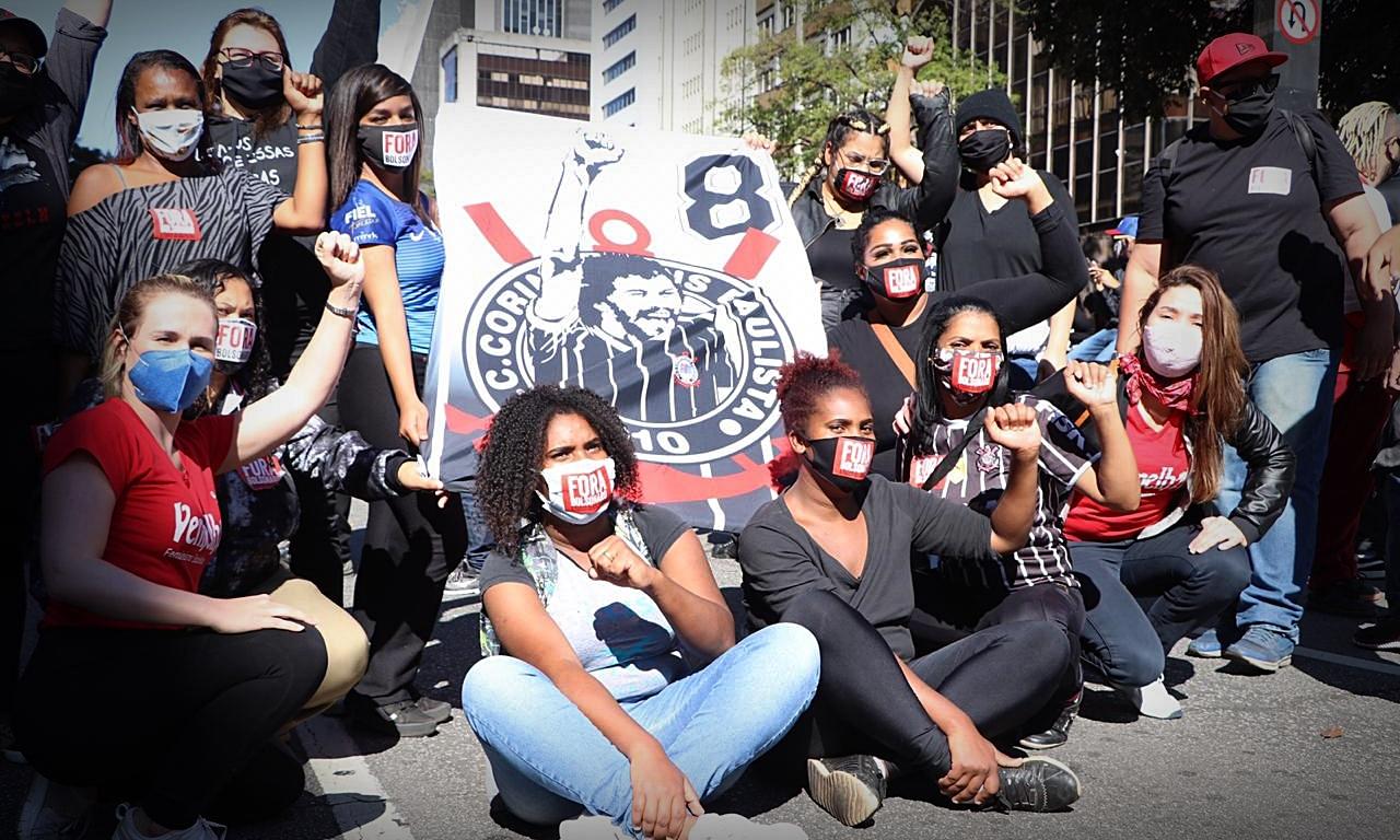Torcidas antifascistas assumem linha de frente da mobilização ...