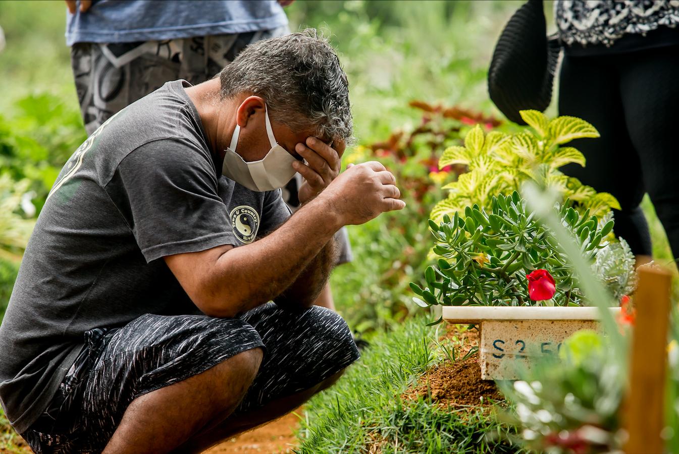 Coronavírus: O luto compartilhado de mais de 160.000 famílias brasileiras  no Dia de Finados | Atualidade | EL PAÍS Brasil