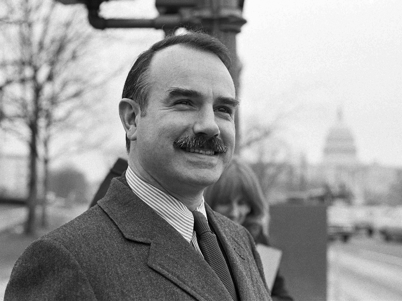 Muere a los 90 años G. Gordon Liddy, el exagente del FBI condenado por el  'caso Watergate'   Noticias de FreeAds World