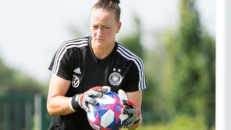 Deutsche Fußball-Frauen mit Rückkehrerinnen Schult und Gwinn