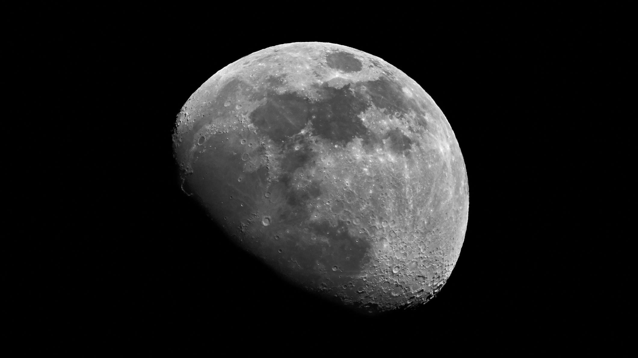 Sensation: Forscher finden neue Hinweise für Wasser auf dem Mond