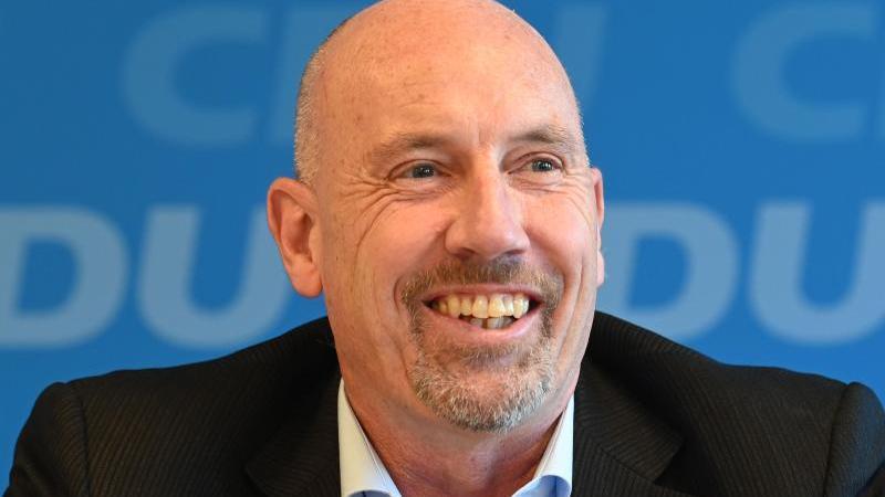 Bremer CDU-Vorsitzender Meyer-Heder bestätigt