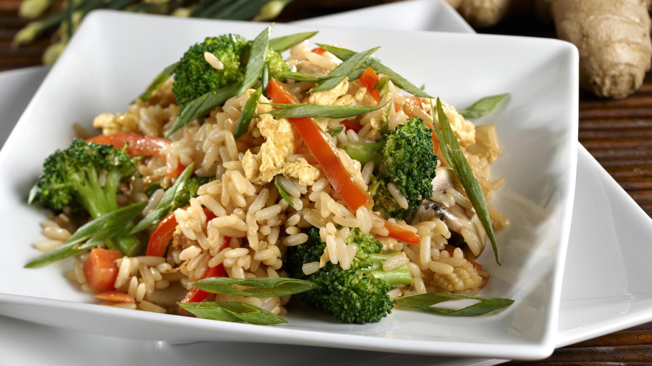 Blitzgericht aus Punkt 12: Gebratener Reis mit Gemüse und Ei