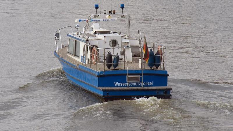 containerfrachter-rammt-schleuse-am-nord-ostsee-kanal