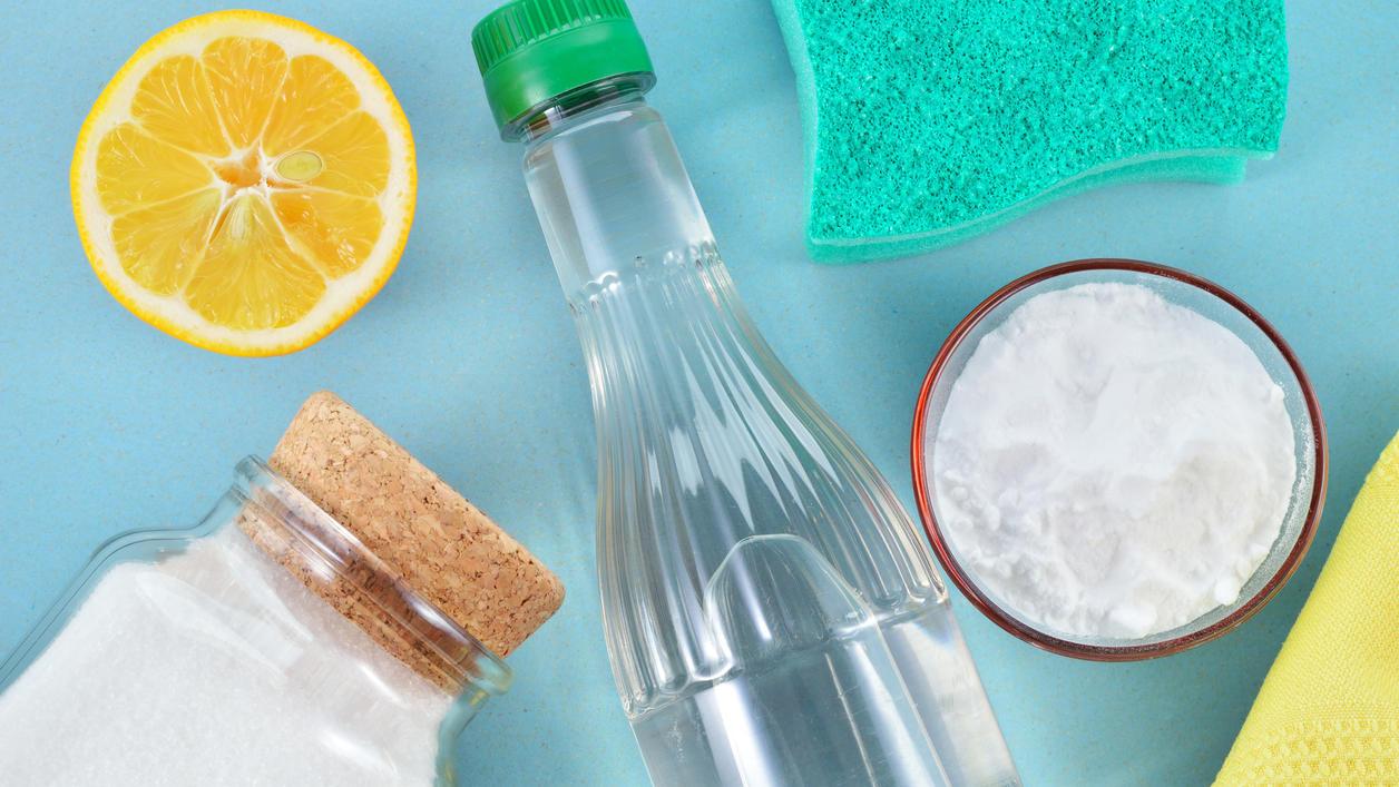 Haushalts-Wundermittel Essigessenz: Was die klare Flüssigkeit alles kann - 10 coole Anwendungs-Tipps