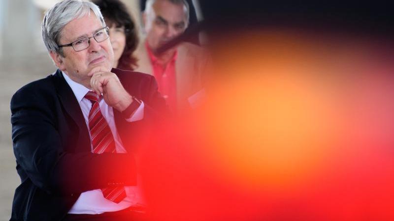 Wirtschaftsminister wirbt für Wasserstofftechnologie